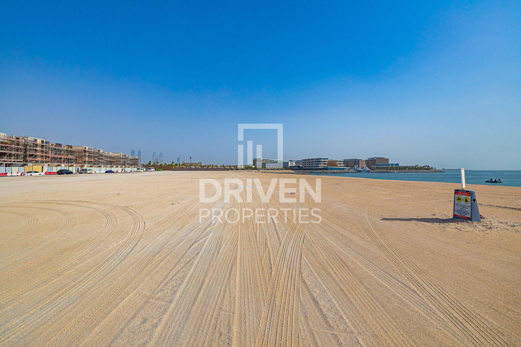 للبيع - أرض سكنية - جزيرة خليج الجميرا - الجميرا