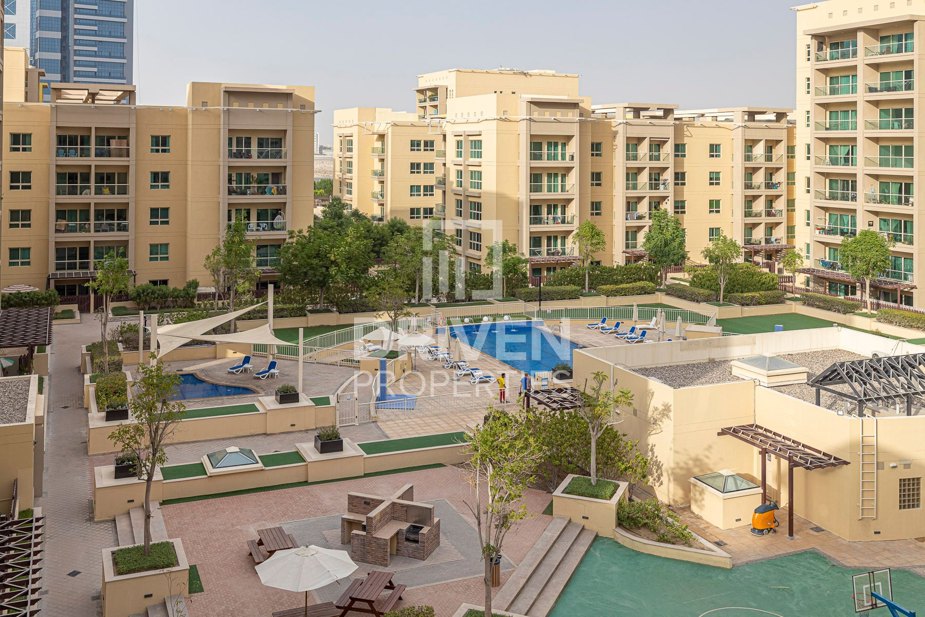 Pool Facing 1 Bed Apartment, Prime Location