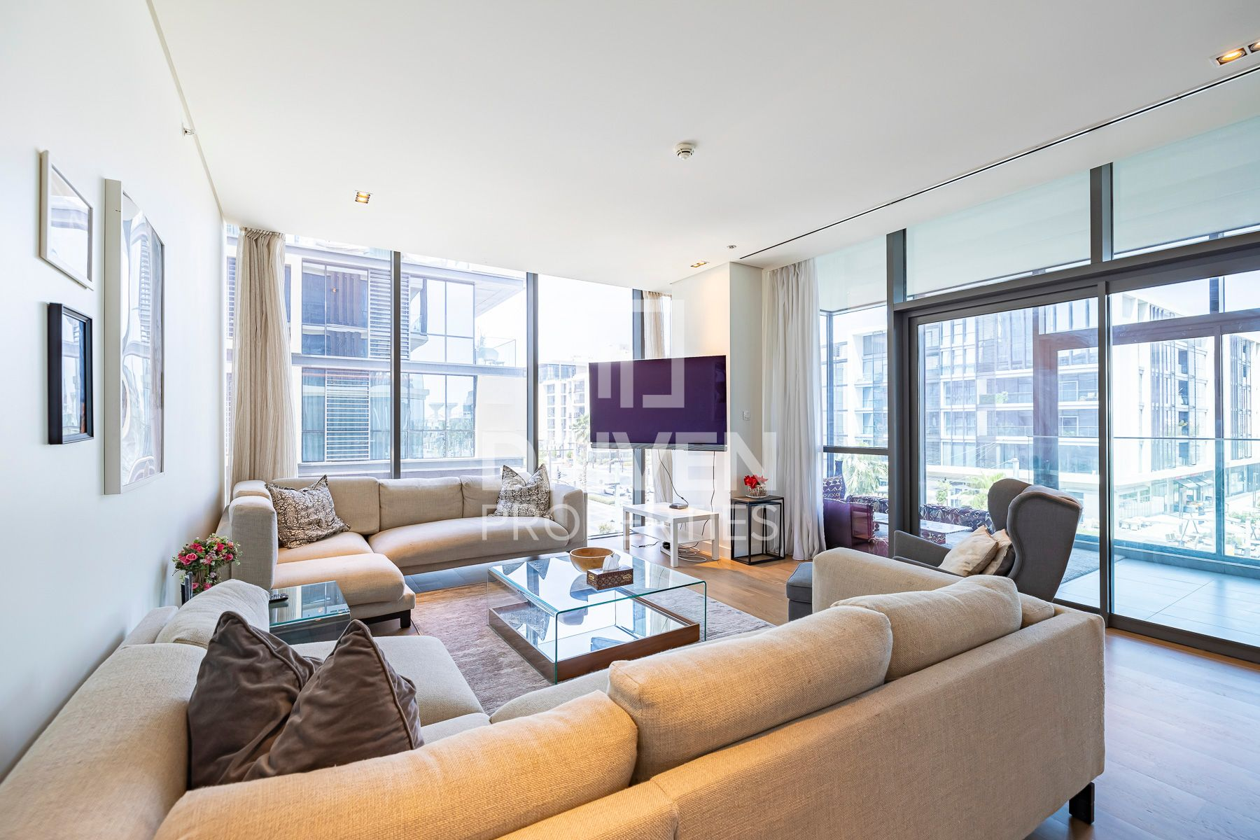 Fully Furnished | Lovely Boulevard Views