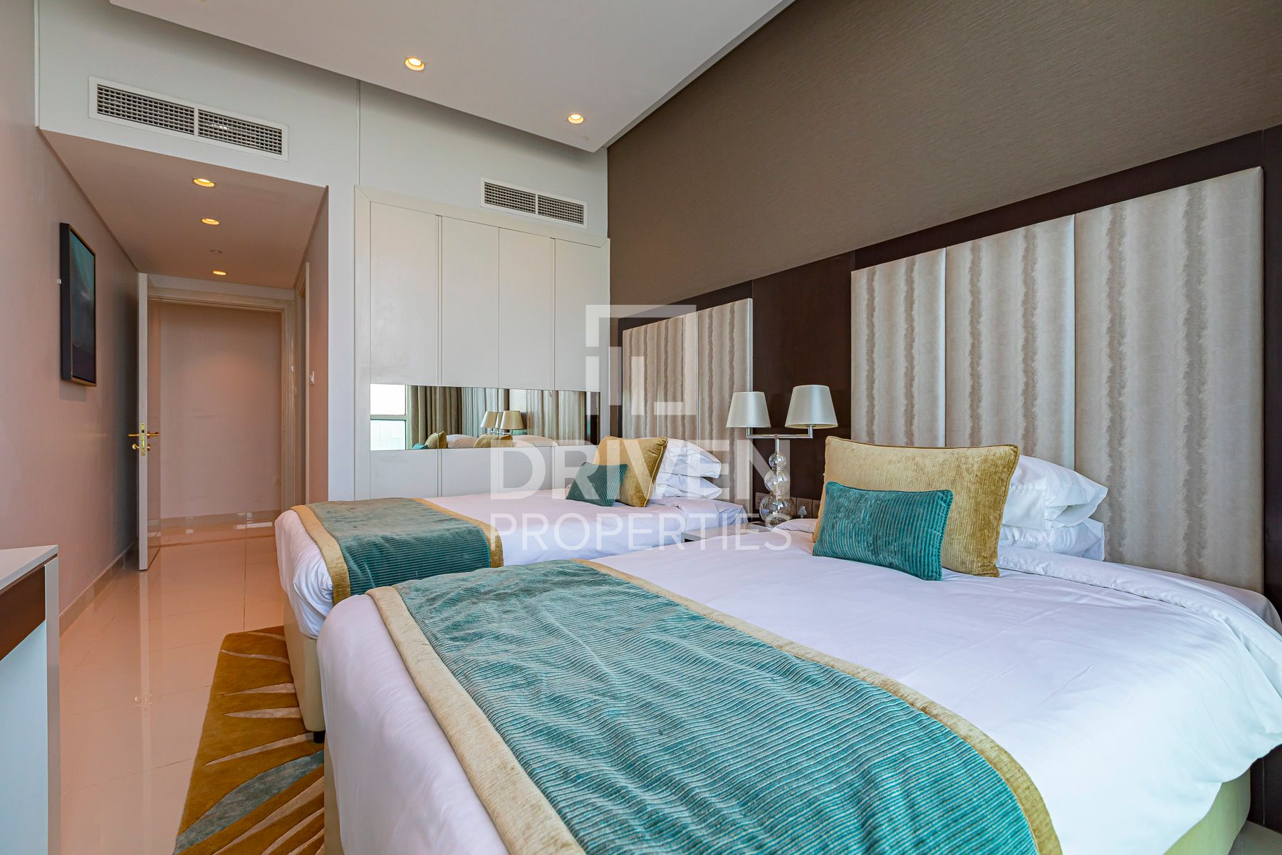 Apartment for Rent in Upper Crest - Downtown Dubai