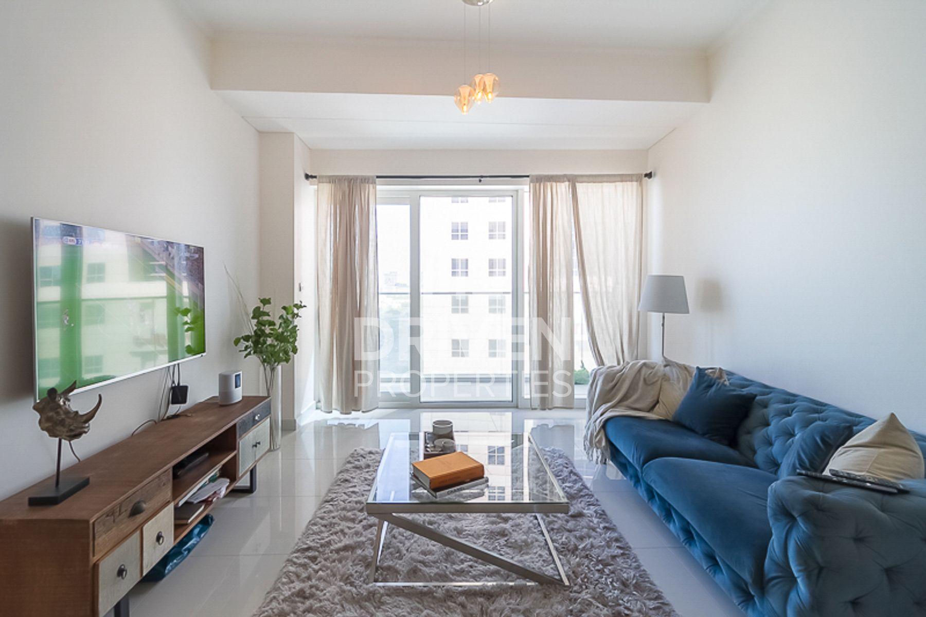 Elegant 1 Bedroom Apt with Full Sea View