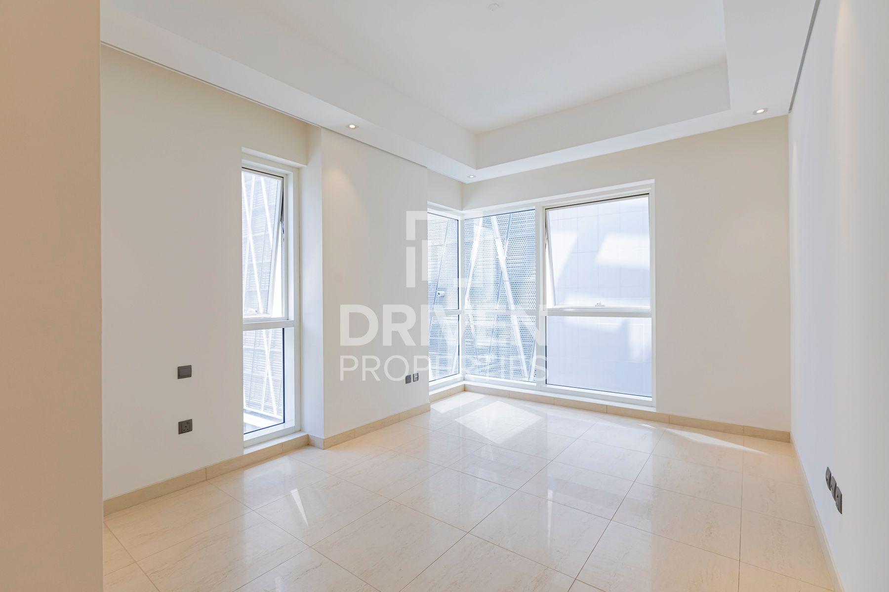 1,402 قدم مربع  شقة - للايجار - دبي وسط المدينة