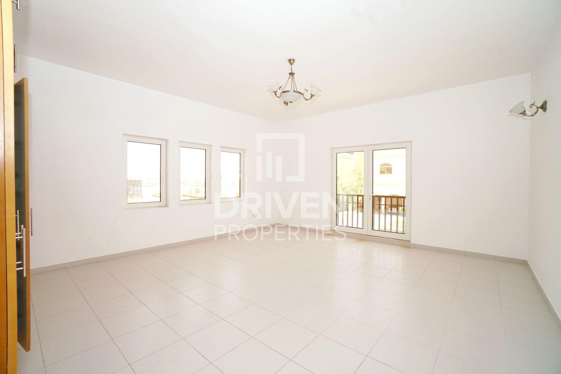Huge Plot and Single Row 5 Bed Villa, B2 Type