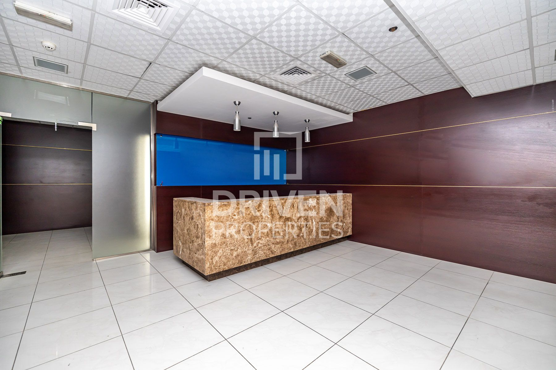 Well-managed Offices, Prime Location in DIP 1