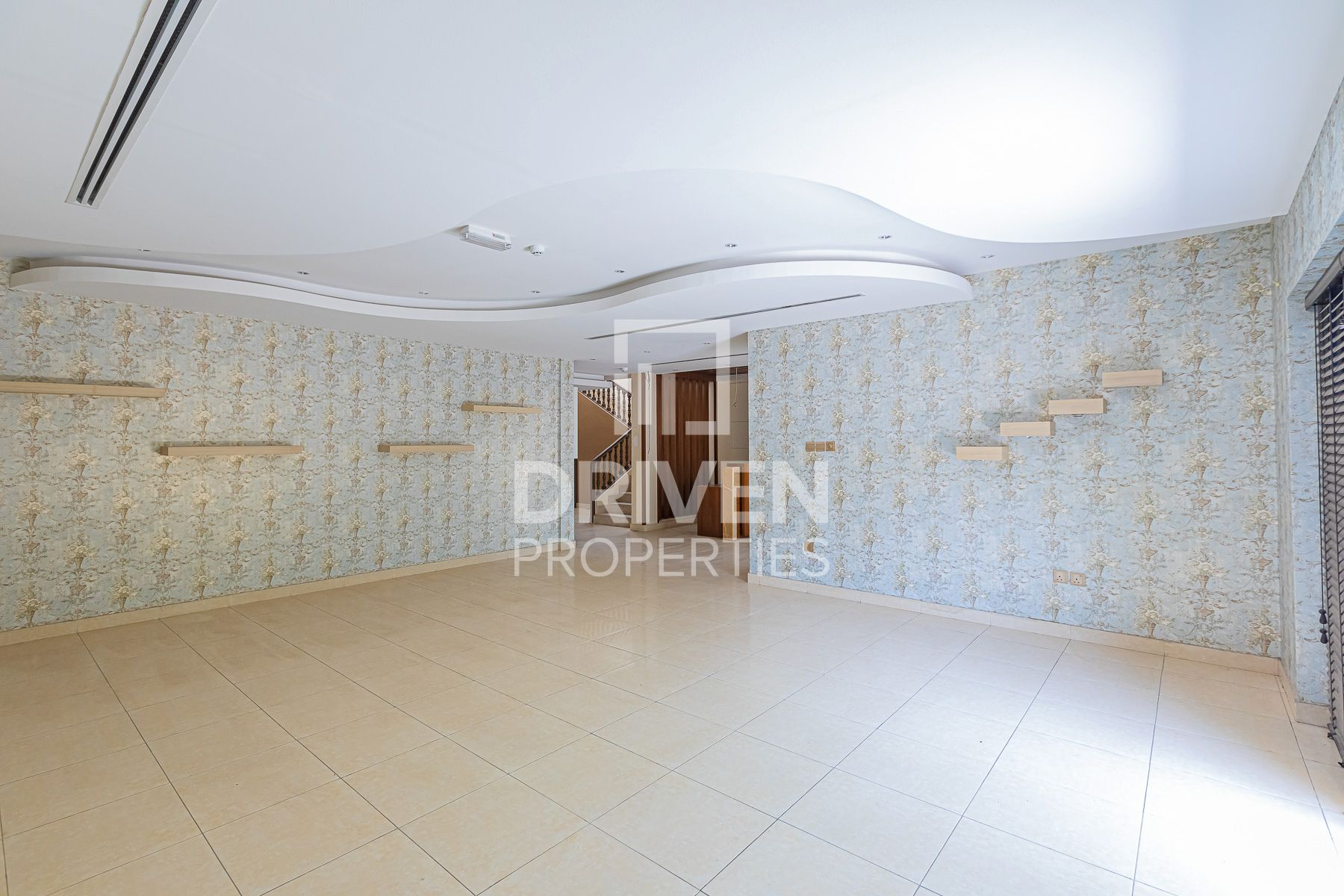 Well-maintained and Prime Location Villa