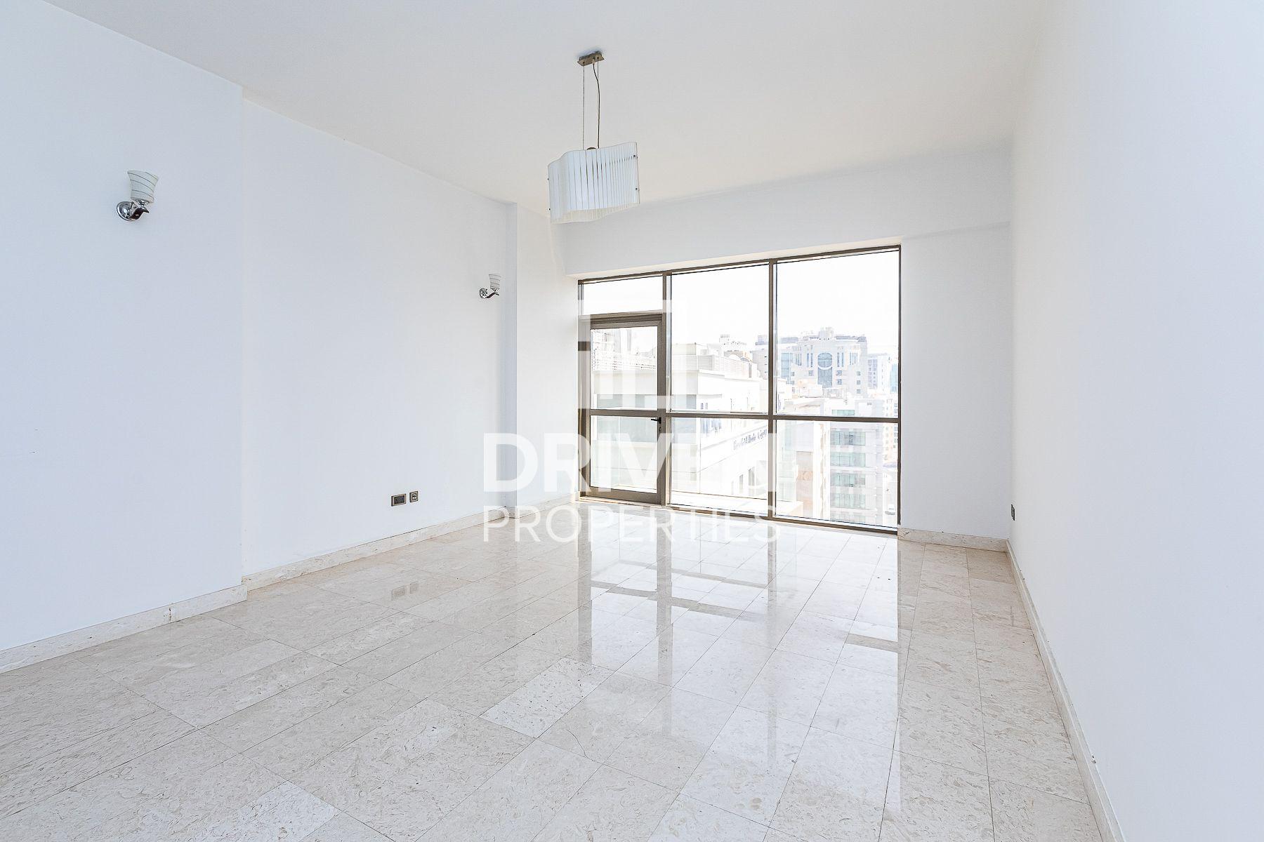 834 قدم مربع  شقة - للبيع - البرشاء