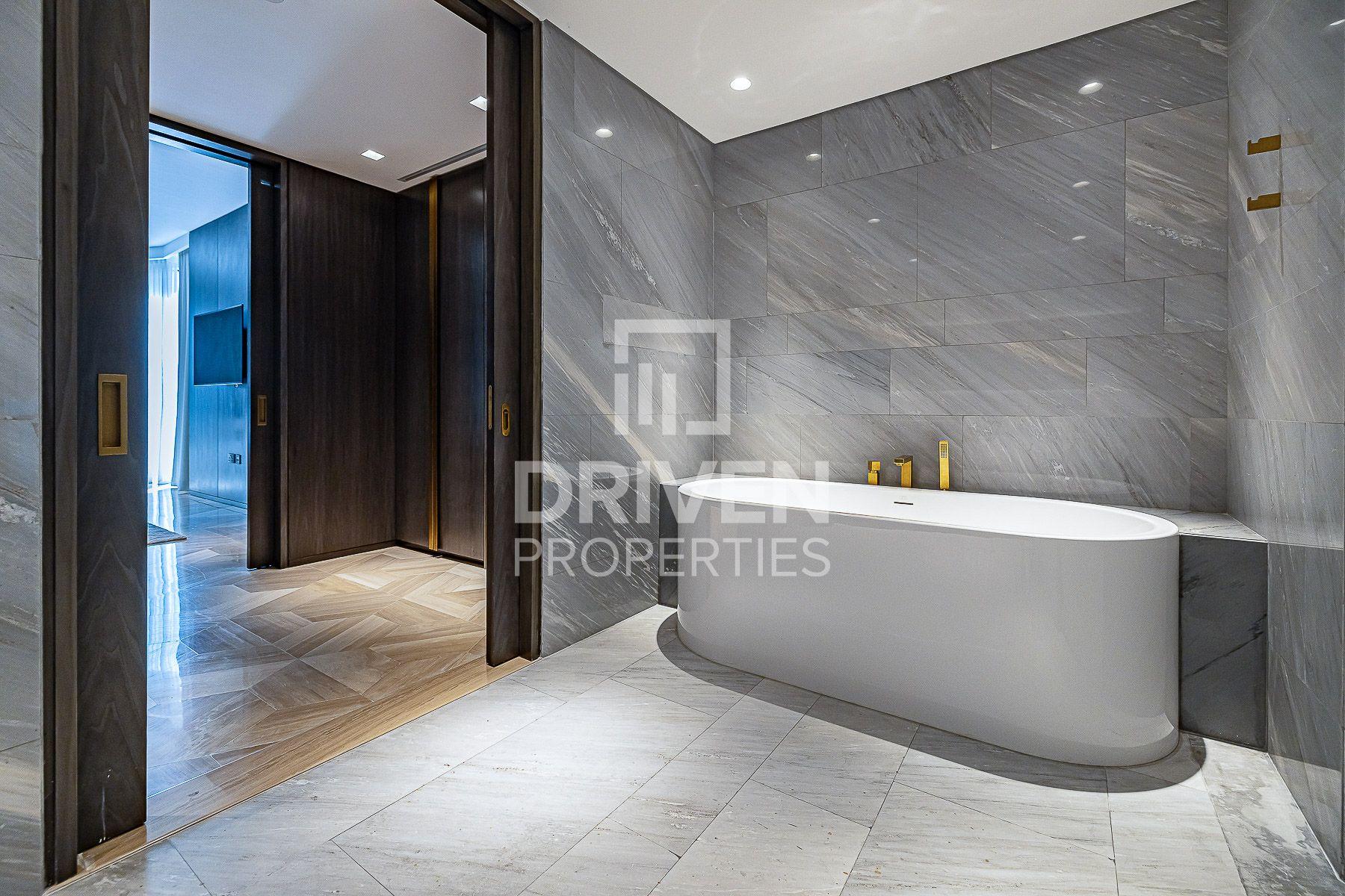 Luxurious 3 Bedroom Apt in Palm Jumeirah