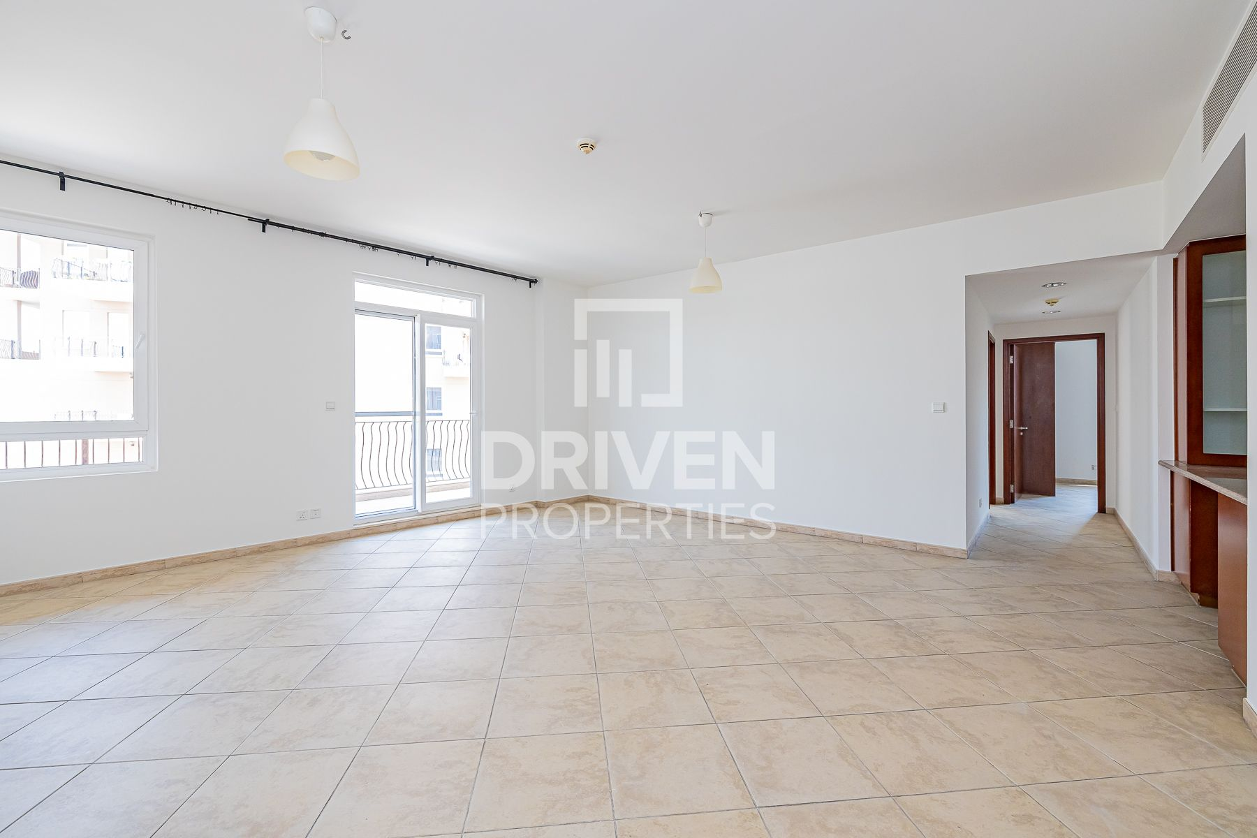 Corner Apartment | Spacious and Well-kept