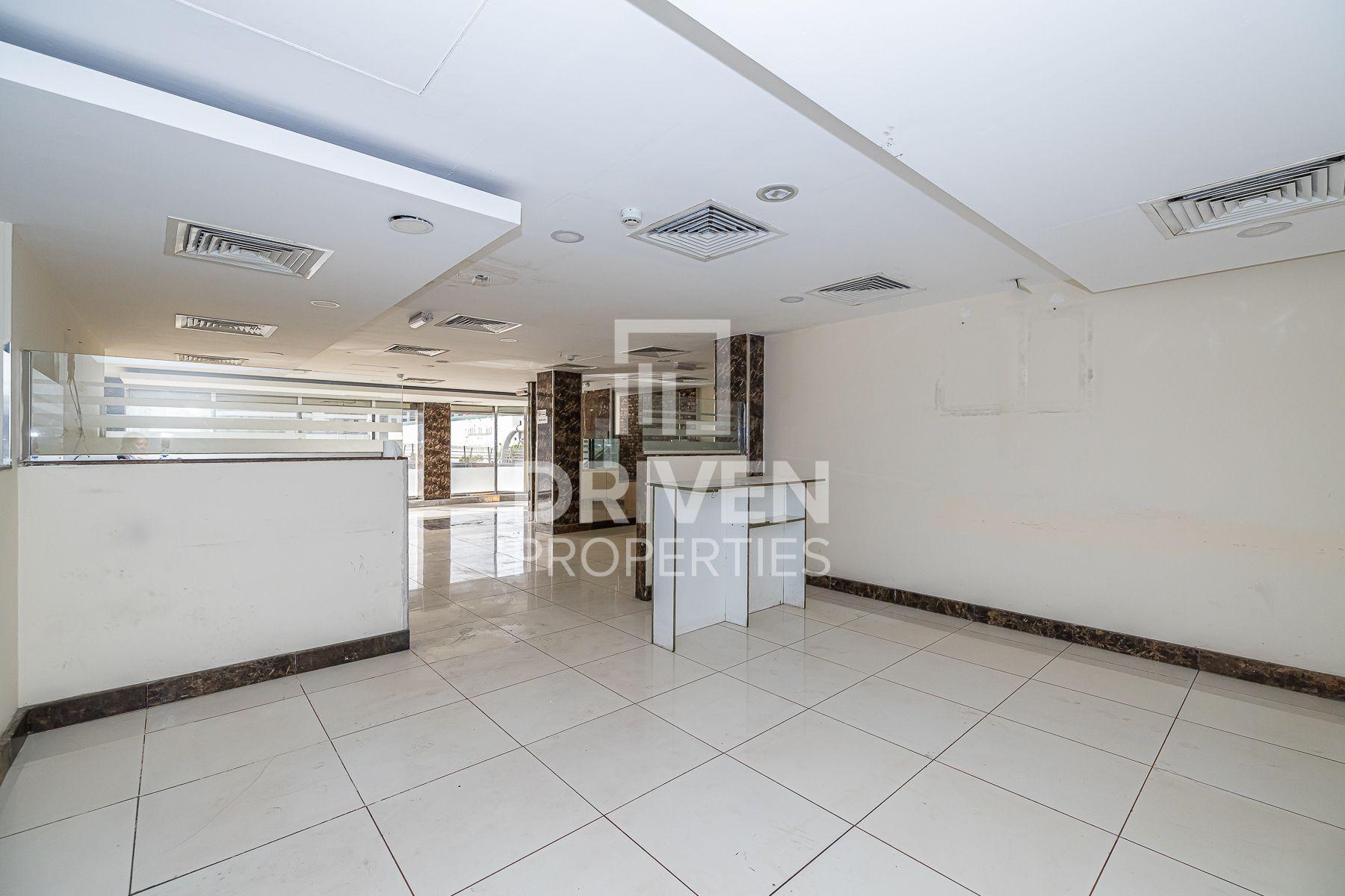 Spacious Retail in  Karama | Prime Location