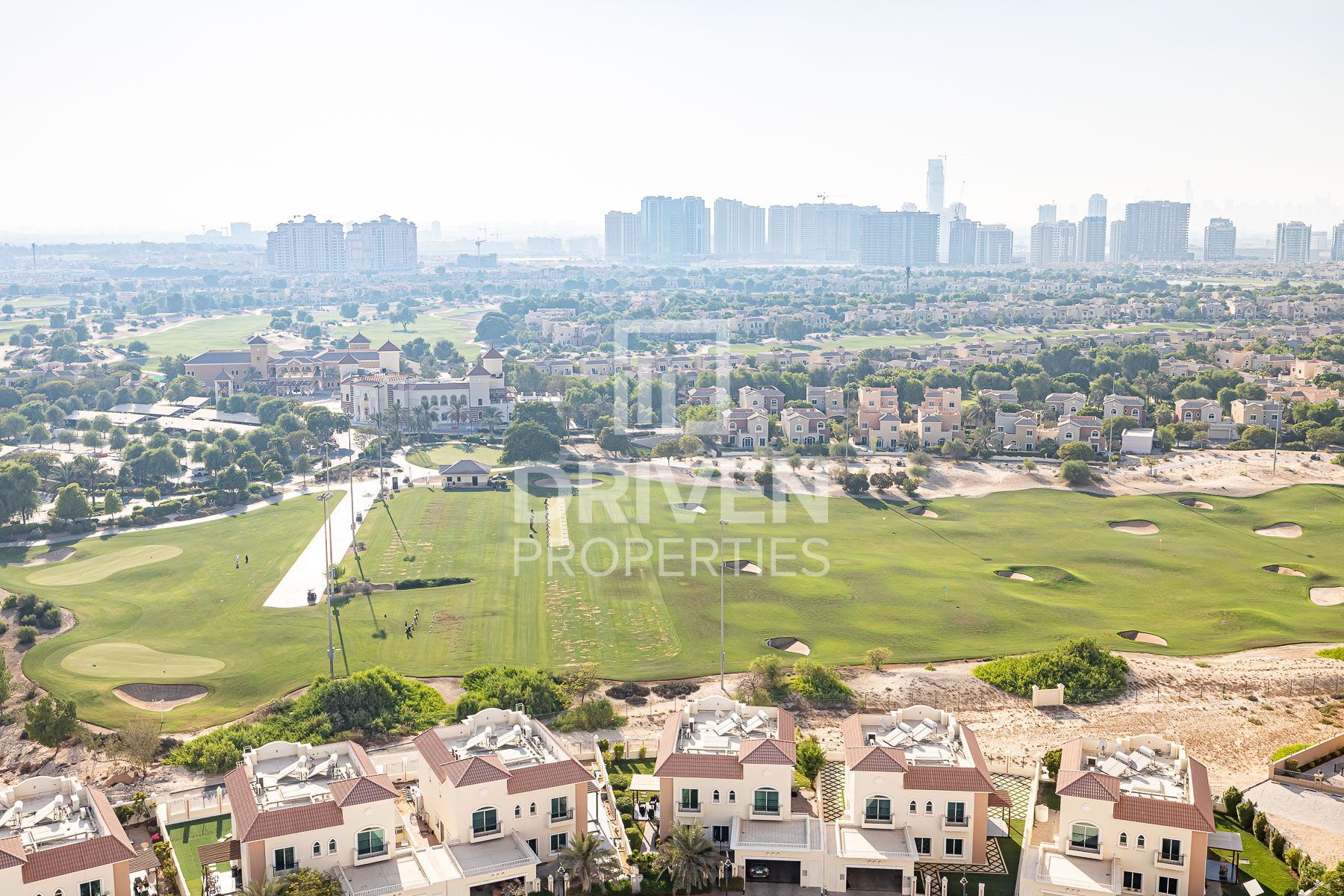 Fully Furnished 2 Bed Apt with Amazing View