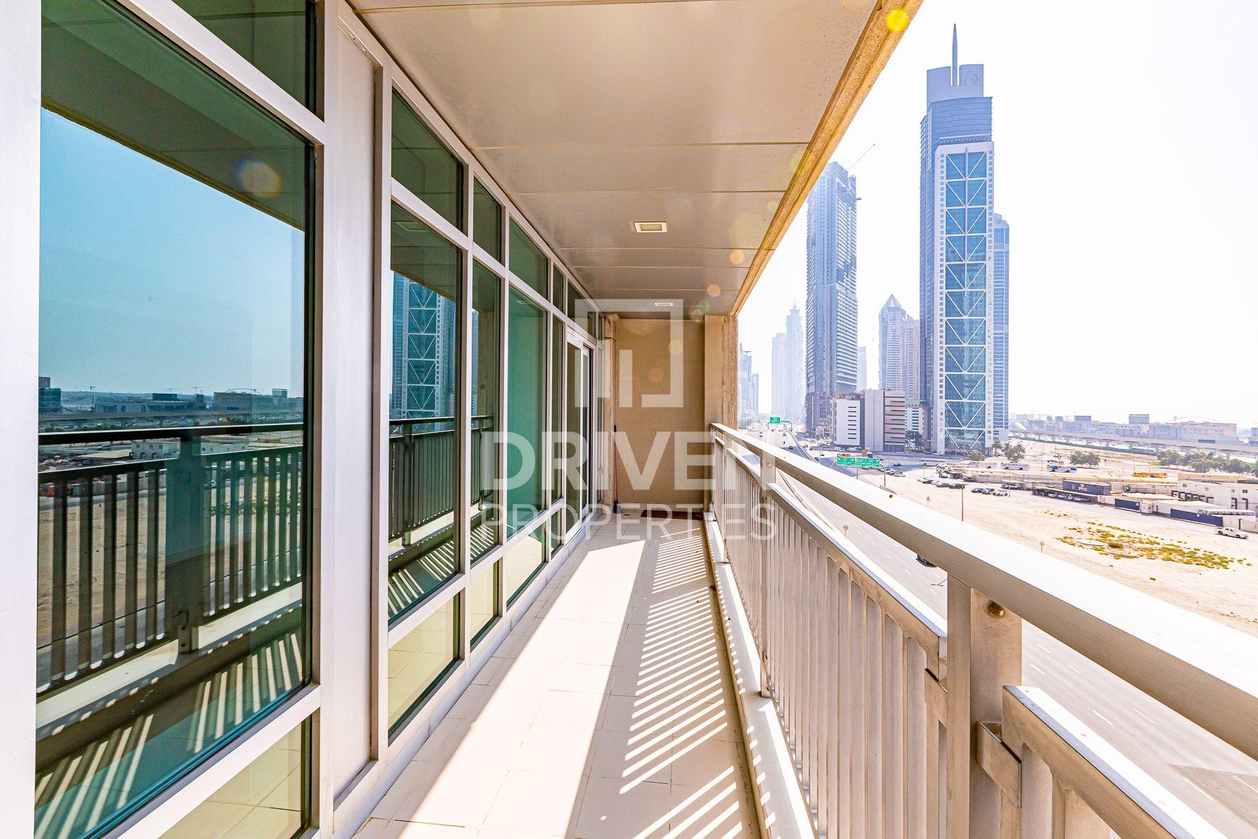 للايجار - شقة - لوفتس إيست - دبي وسط المدينة