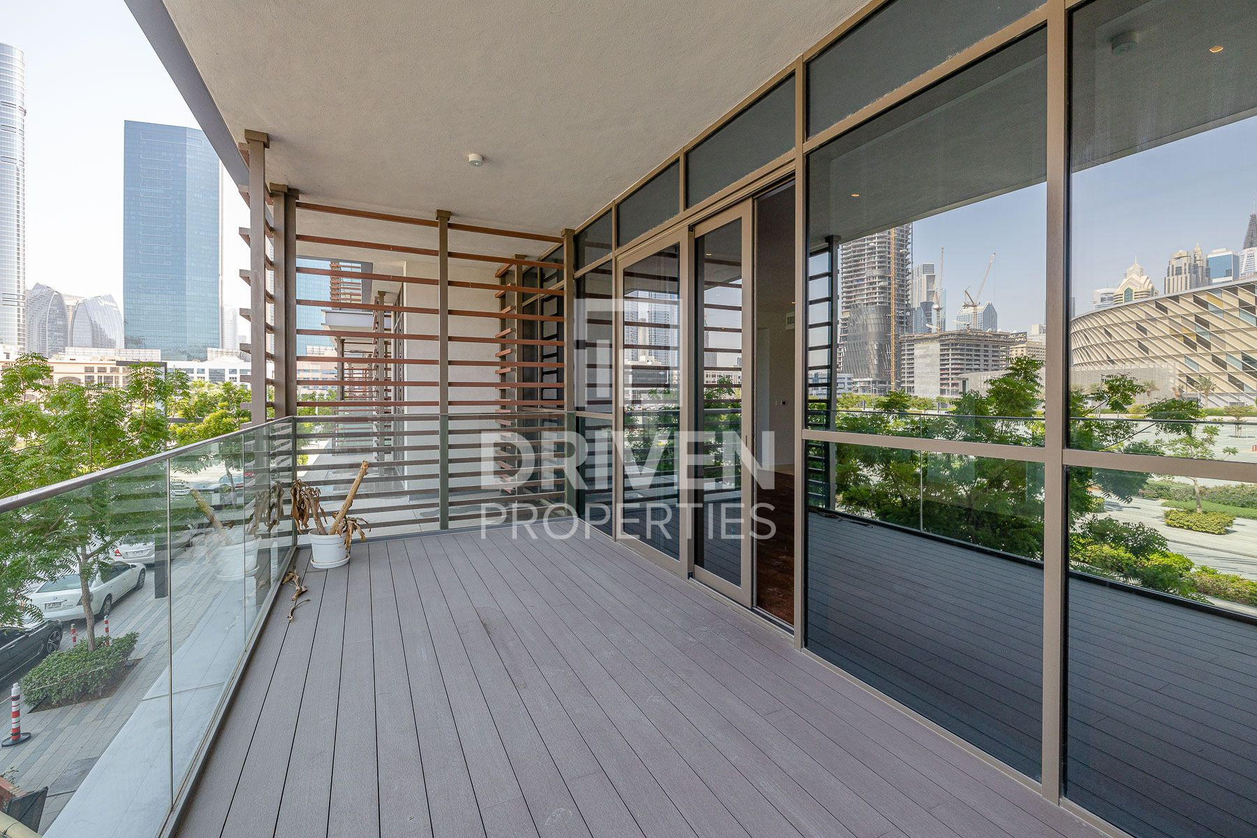 3 Bed Apt plus Maids Room,Arena and Burj View