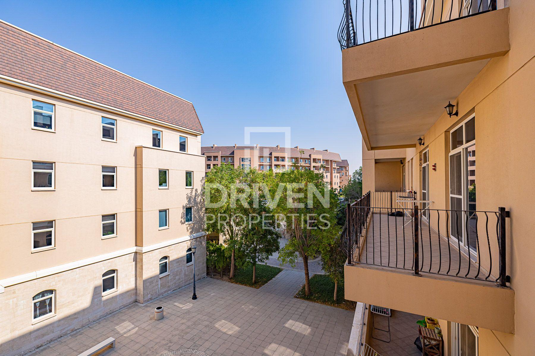 Amazing 1 Bedroom Apartment, Garden View