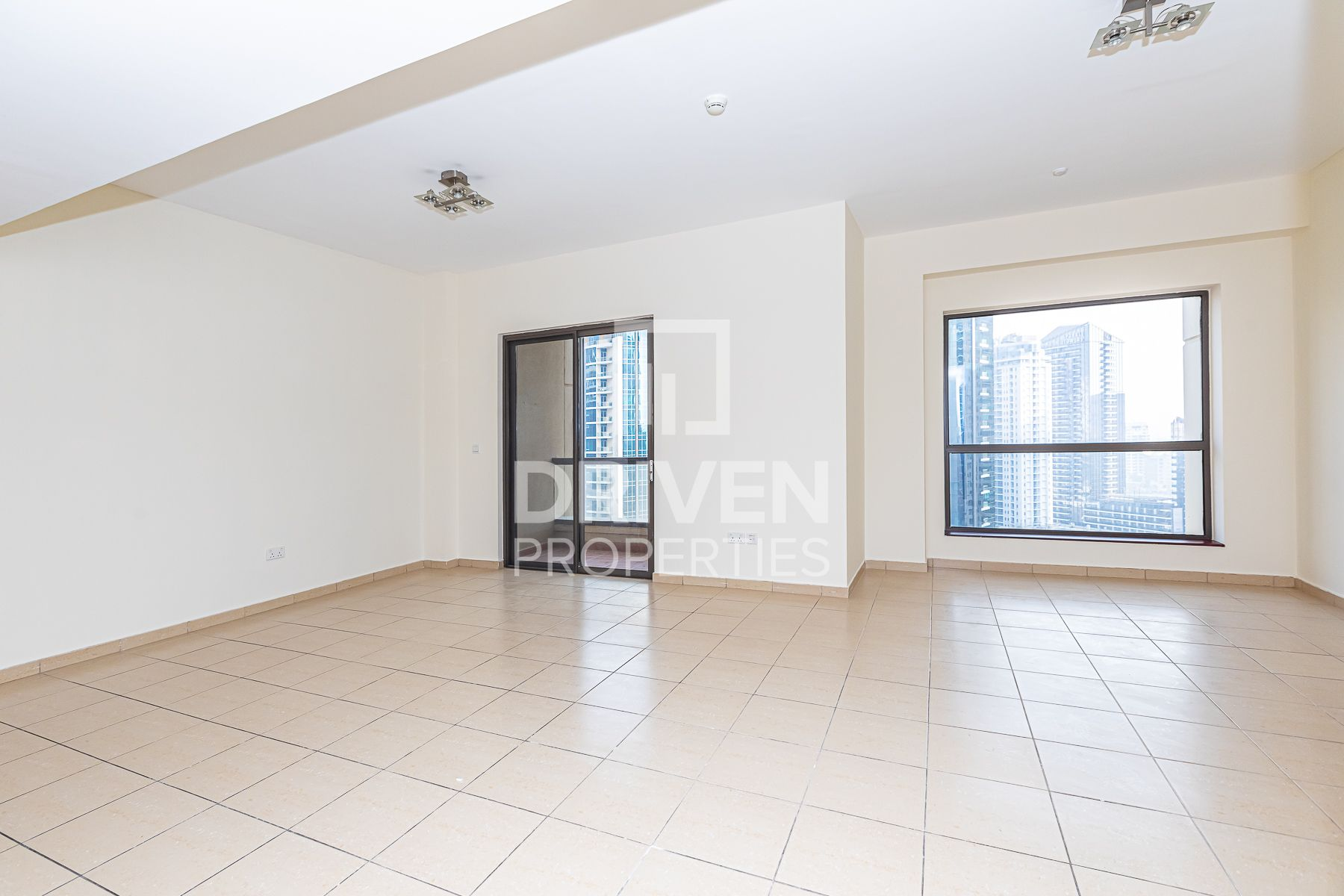 Well-managed 3 Bedroom Apt with Marina View