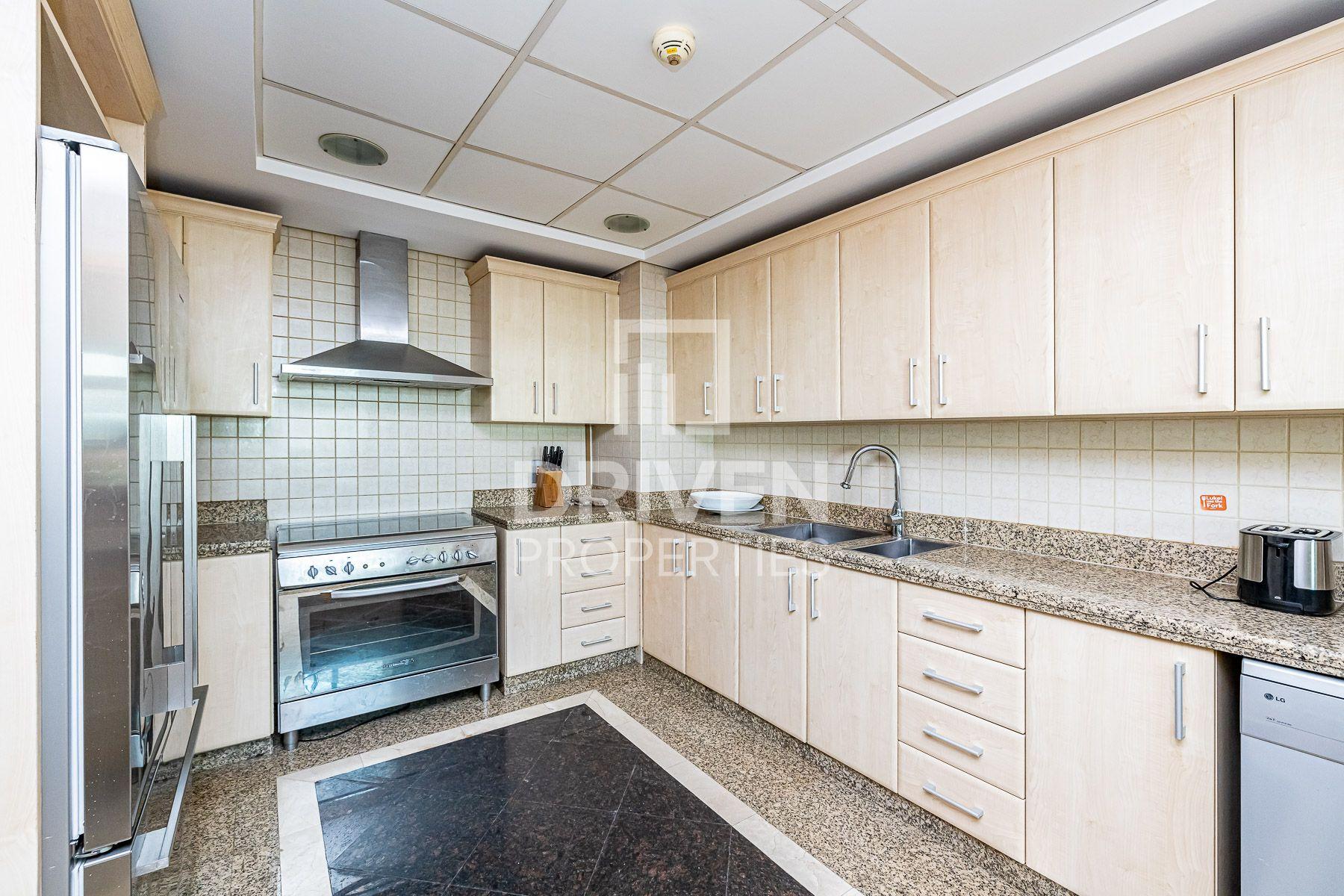 Penthouse for Rent in Al Das - Palm Jumeirah