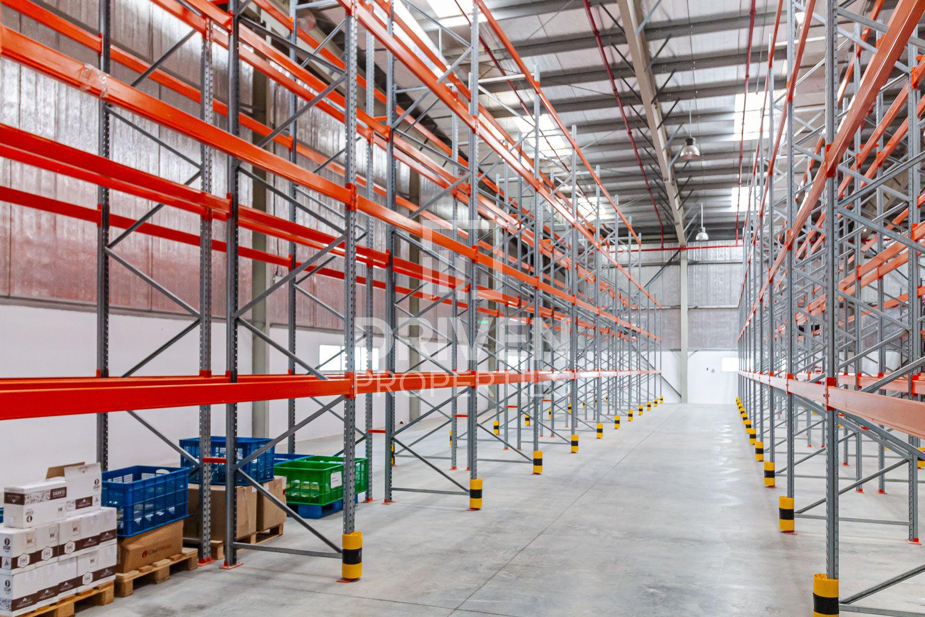 32,995 قدم مربع  مستودع - للبيع - واحة التكنولوجيا