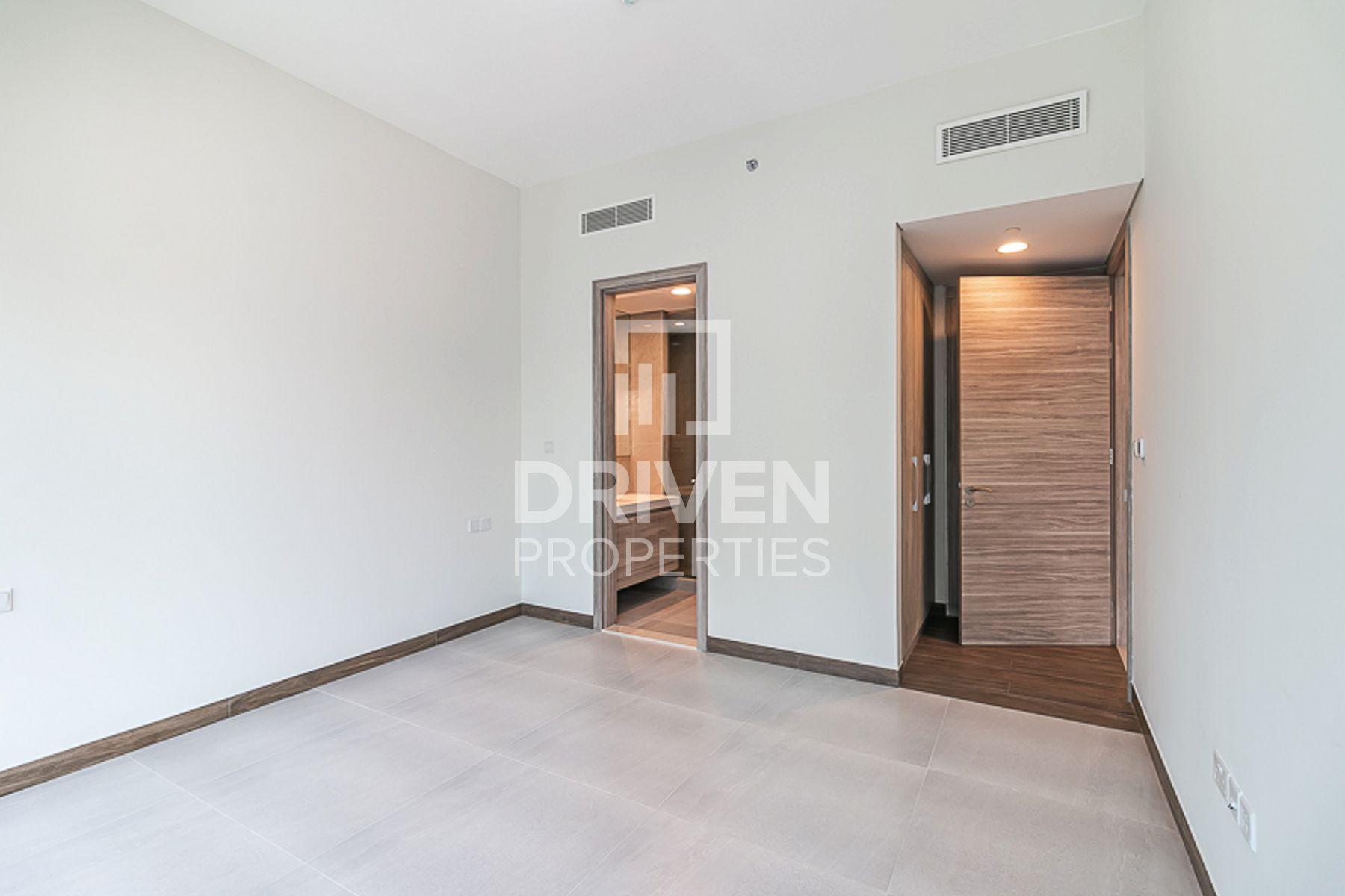 907 قدم مربع  شقة - للايجار - الخليج التجاري