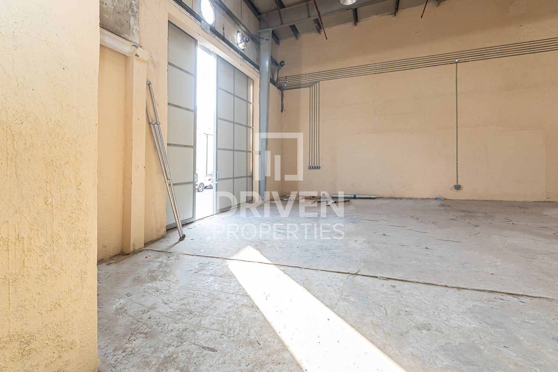 Well-maintained Warehouse | Prime Location