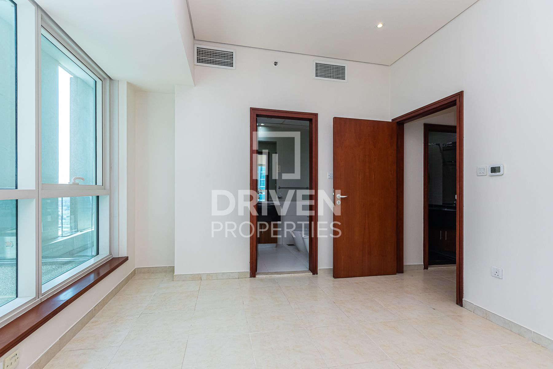 Park View | Up to 4 Chq | Prime Location