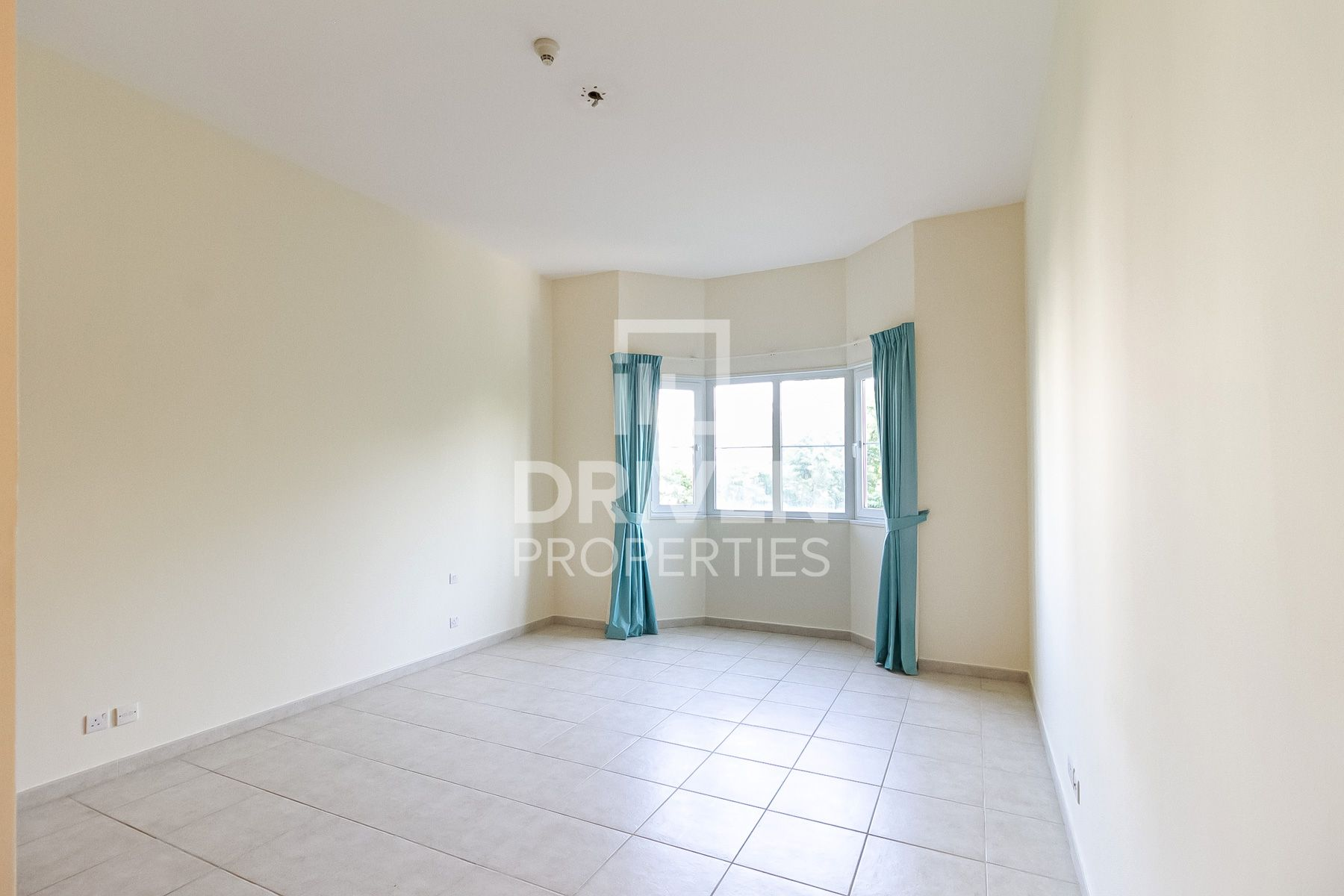 Well-managed 2 Bed Apartment | Prime Location
