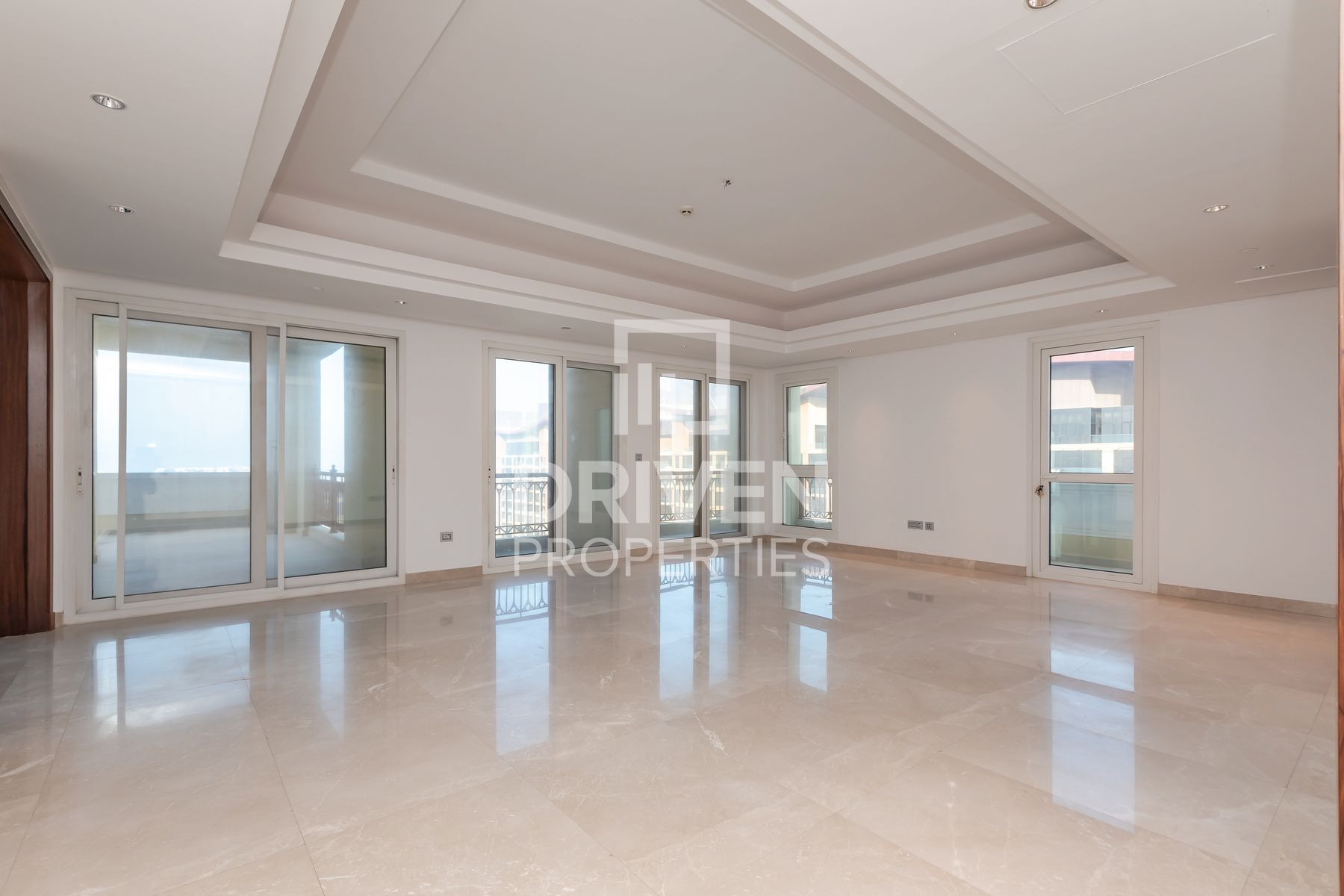 Huge Penthouse with Elevator | Palm View