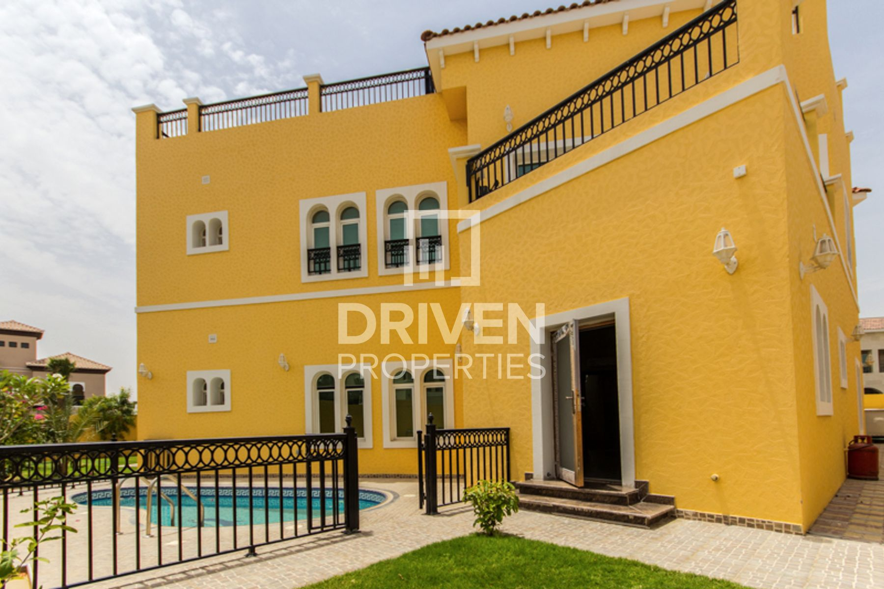 Villa for Sale in The Centro - The Villa