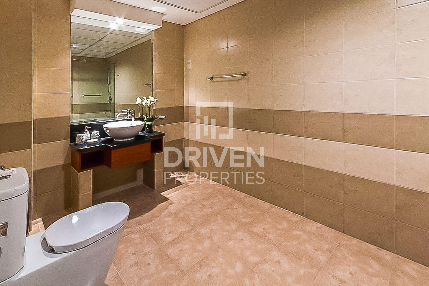 للبيع - شقة - B بارك  تاور - مركز دبي المالي العالمي