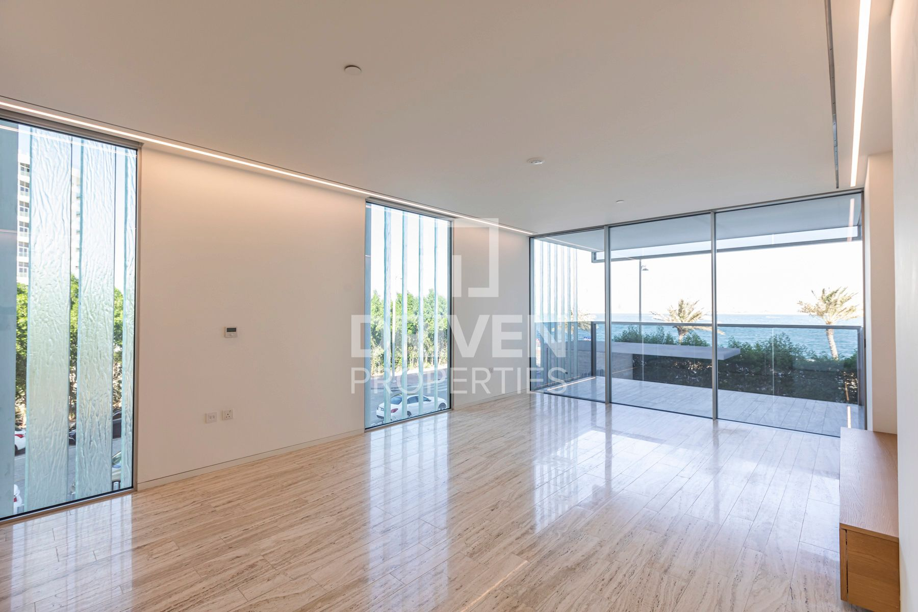 Modern Designed and Large Apt   Sea View