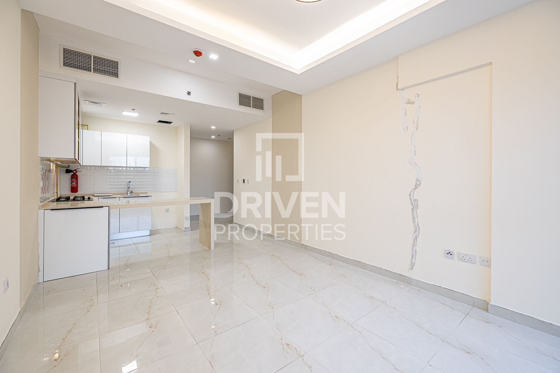 Reasonably price and Brand New 1 Bed Apt