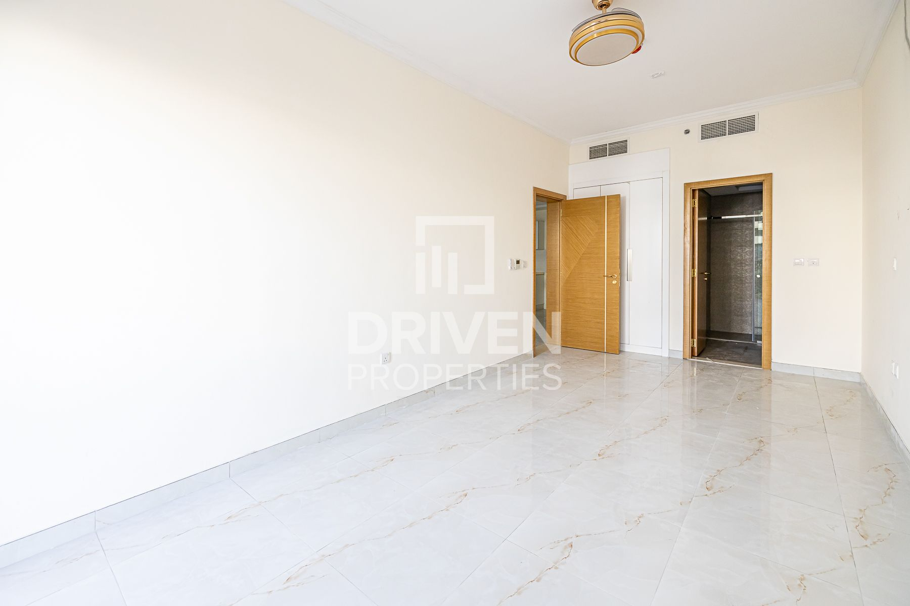 Bright and Well-maintained 1 Bed Apt
