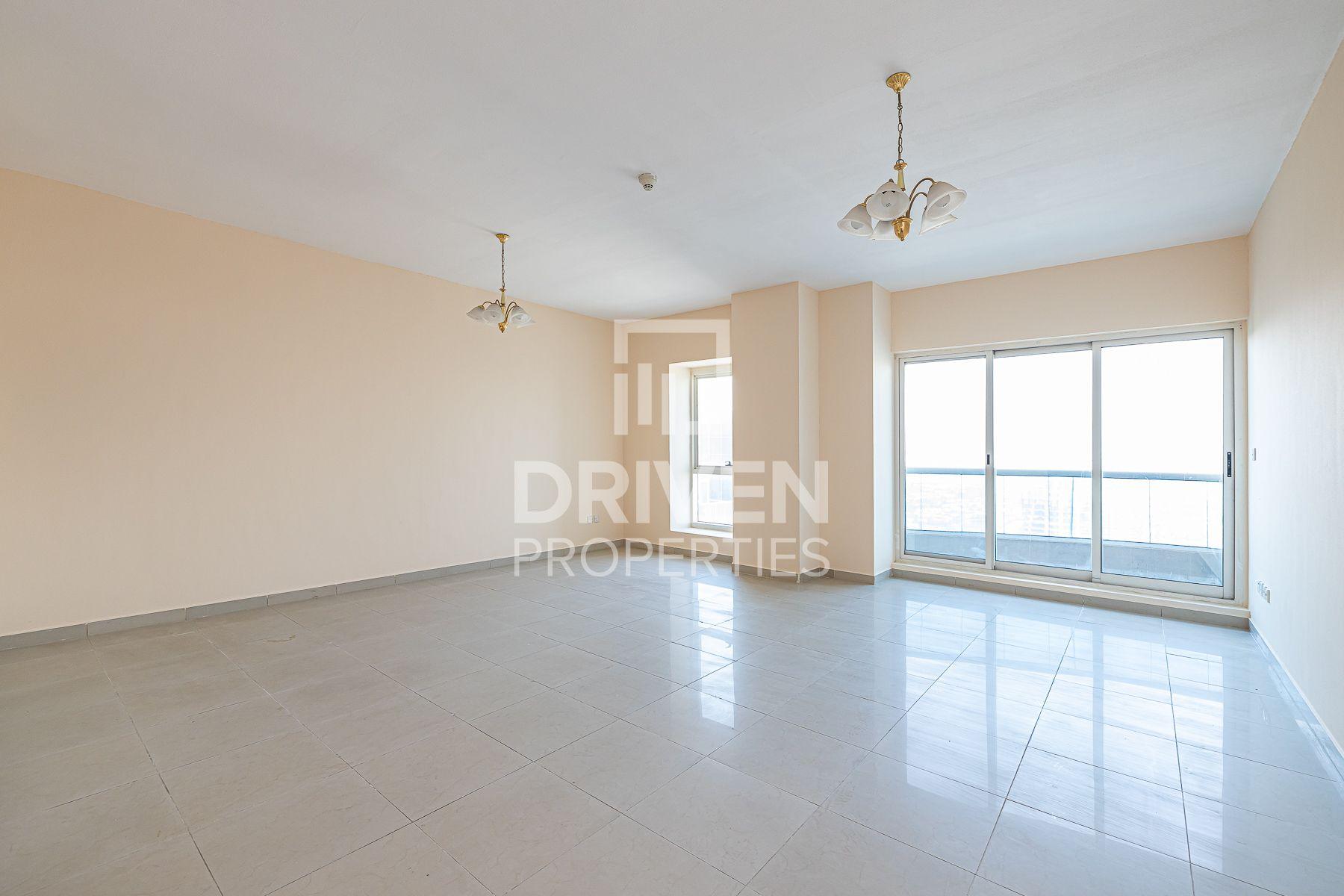 Bright Unit plus Maids Room | High Floor