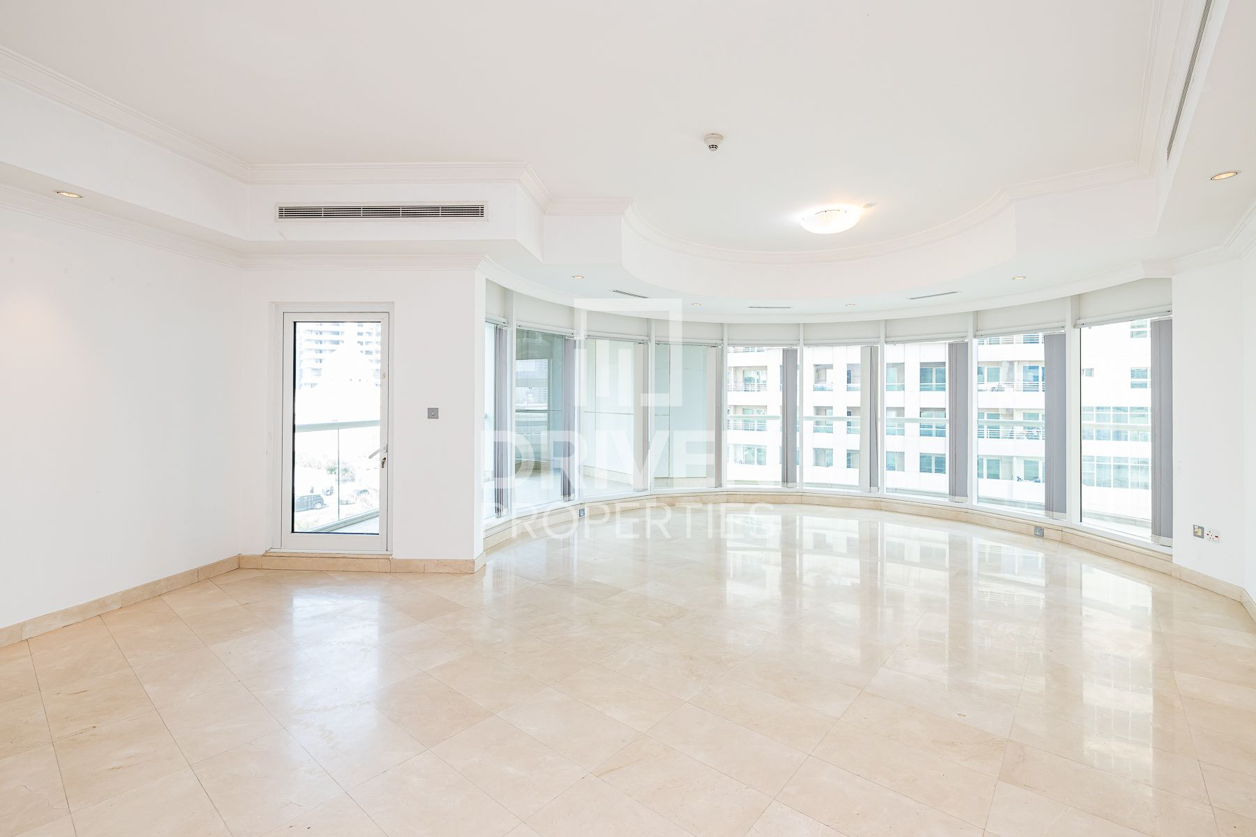 Large 3 Bedroom Apartment | Chiller Free