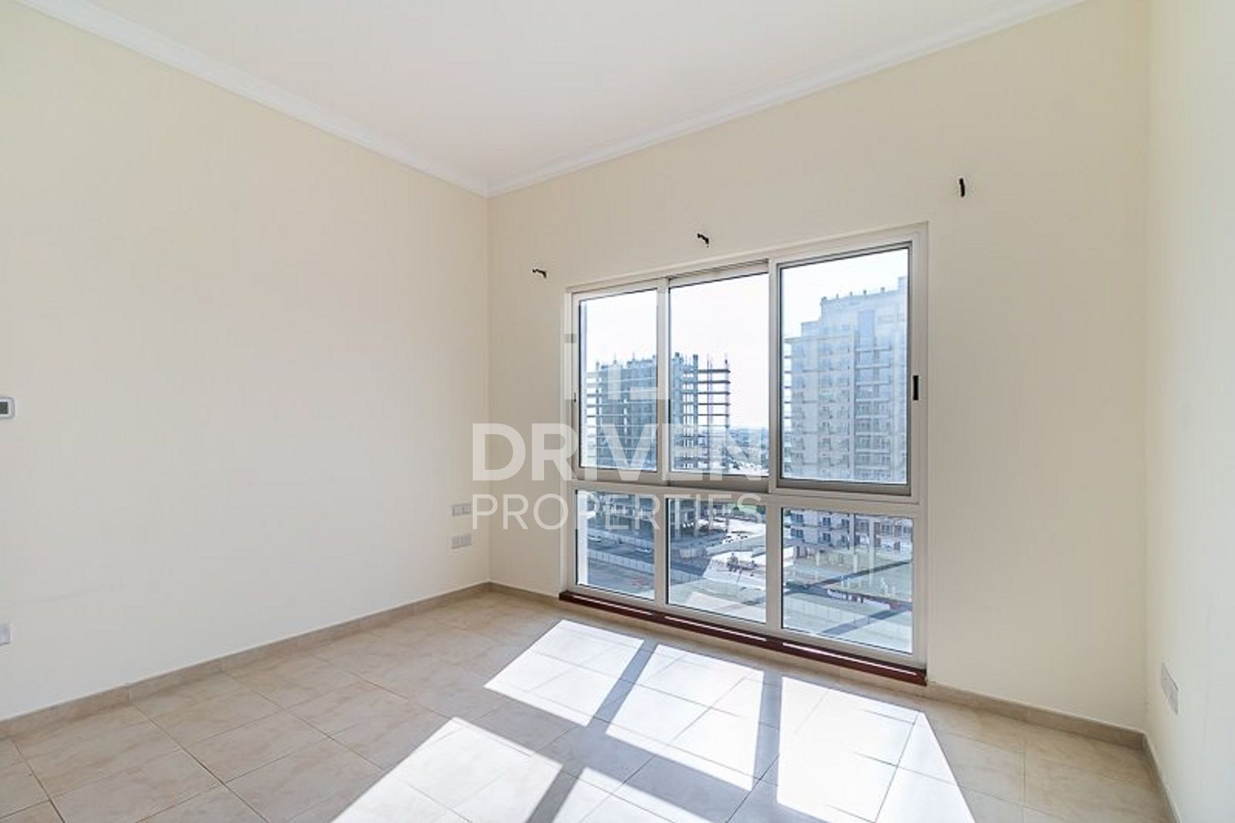 Bright 1 Bedroom Apartment with Golf Facing