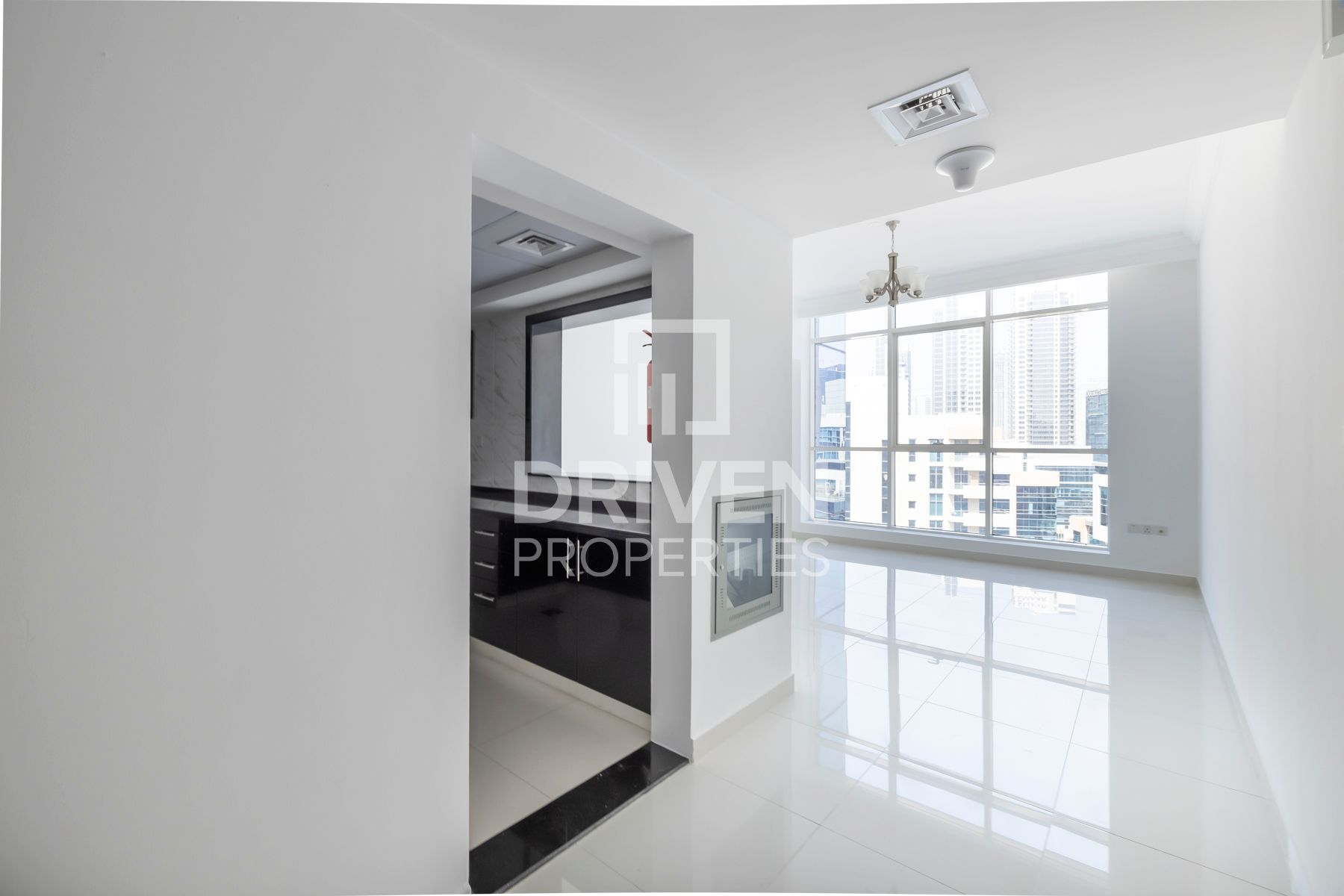 741 قدم مربع  شقة - للايجار - الخليج التجاري