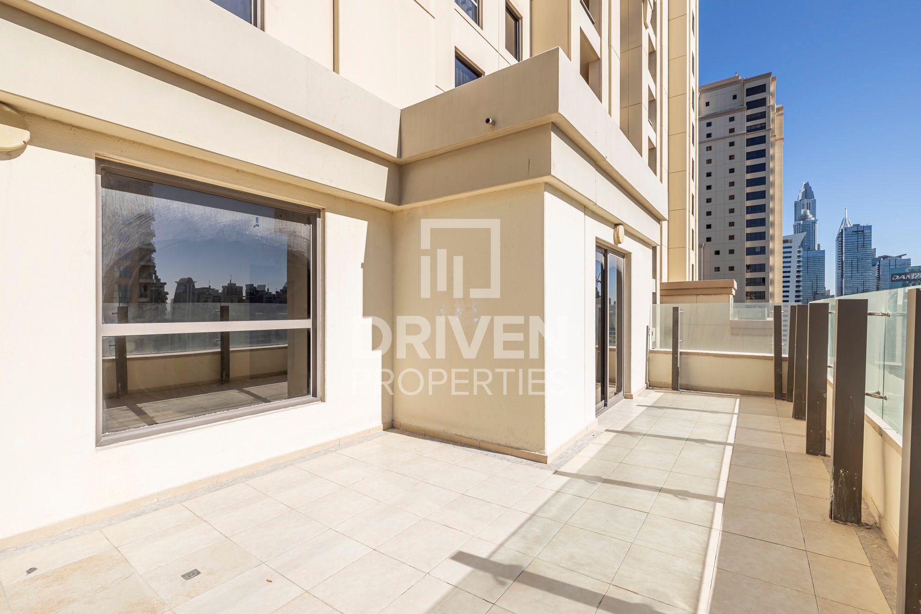 Terrace Apt | Marina View | High Floor