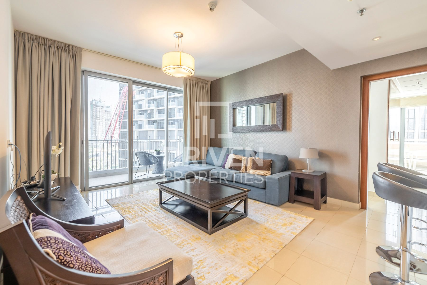 Large and Furnished Unit | On High Floor