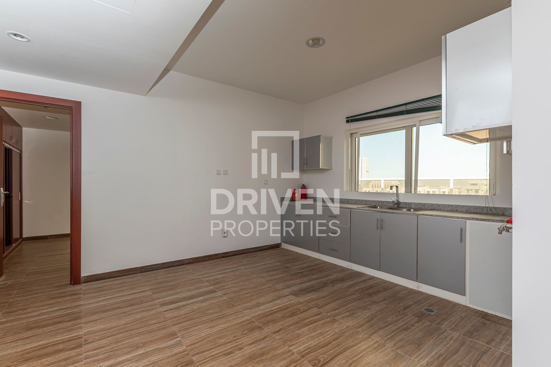 Spacious | Park View | Ready to move in