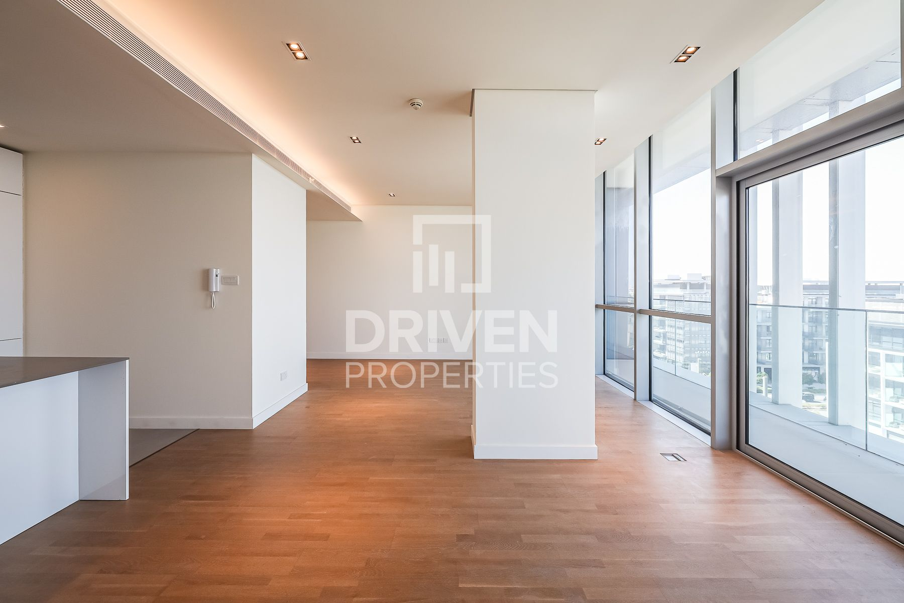 Peaceful and Bright Apt | Boulevard View
