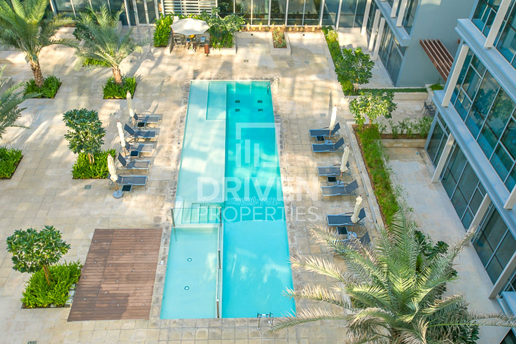 Spacious and Peaceful Apt with Pool View