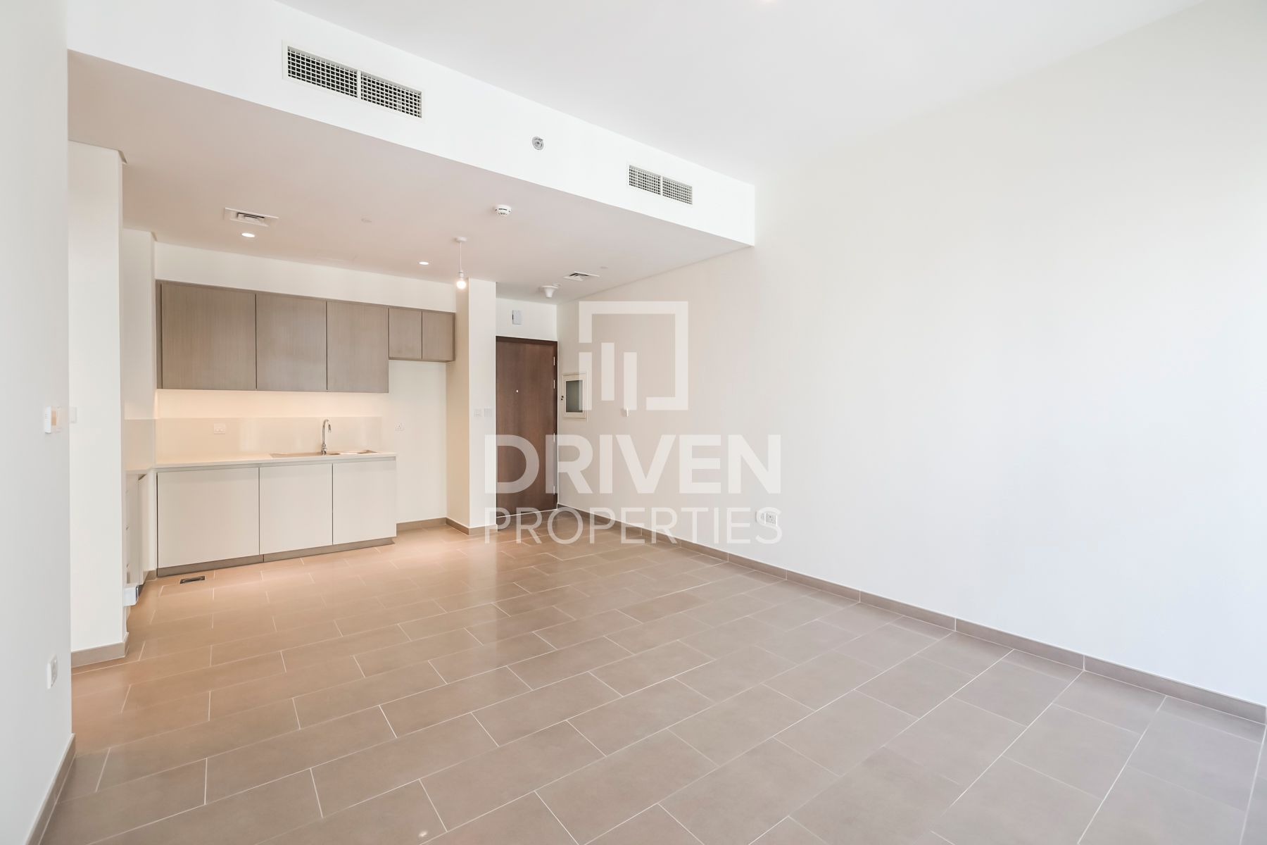 Brand New 1 Bed Apartment with Pool View