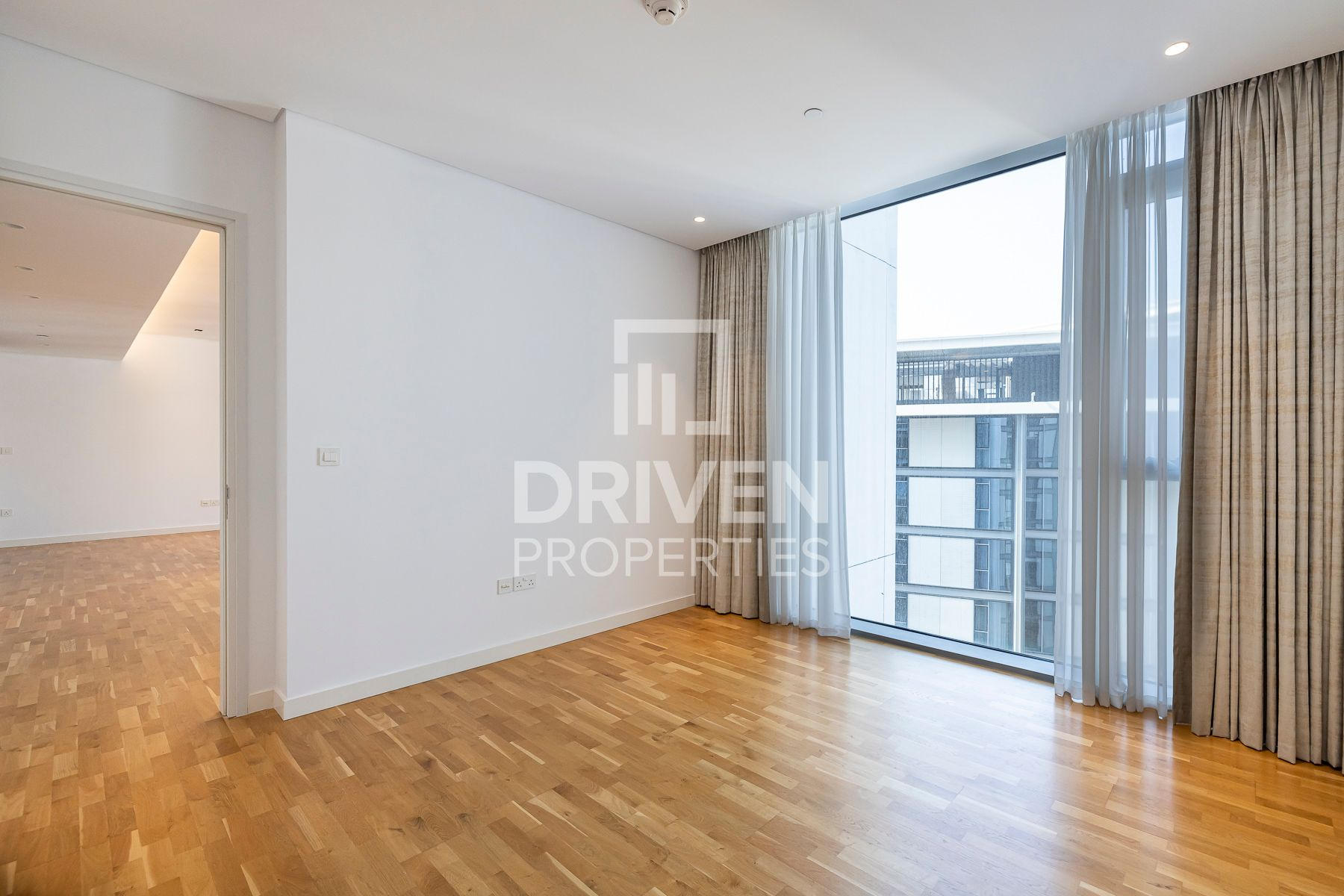 للبيع - شقة - 9 شقة بناية - بلوواترز