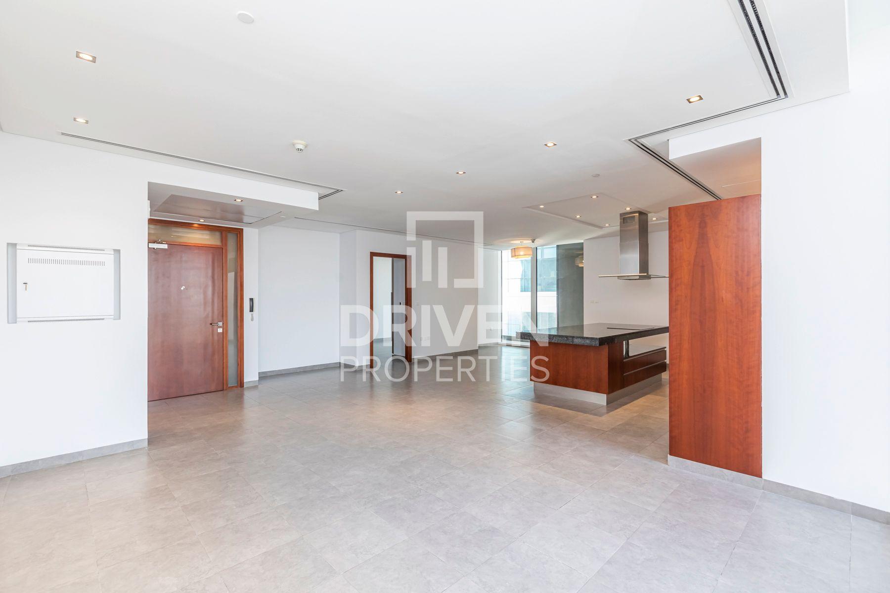 للايجار - شقة - برج ميز - شارع الشيخ زايد