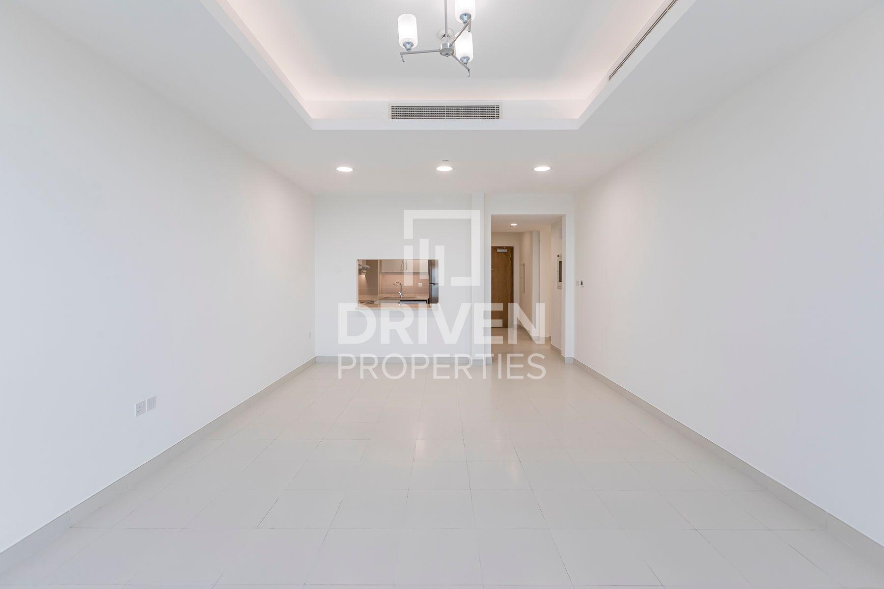 2,036 قدم مربع  شقة - للايجار - ند الشبا