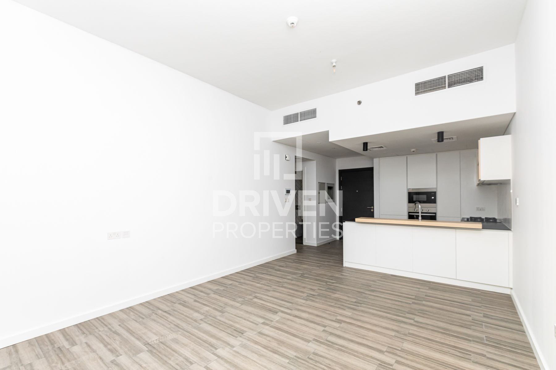 Special Deal   Well Maintained Apartment