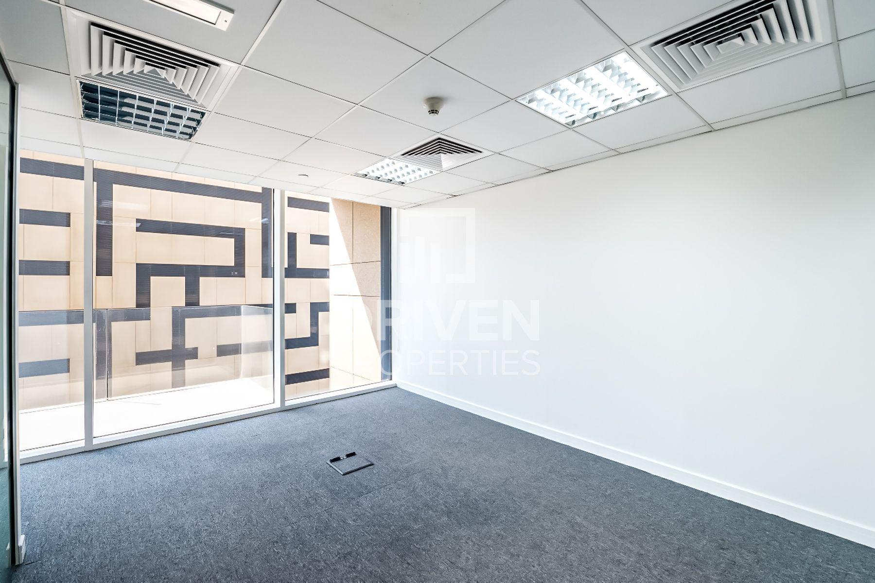 للايجار - مكتب - برج ميز - شارع الشيخ زايد