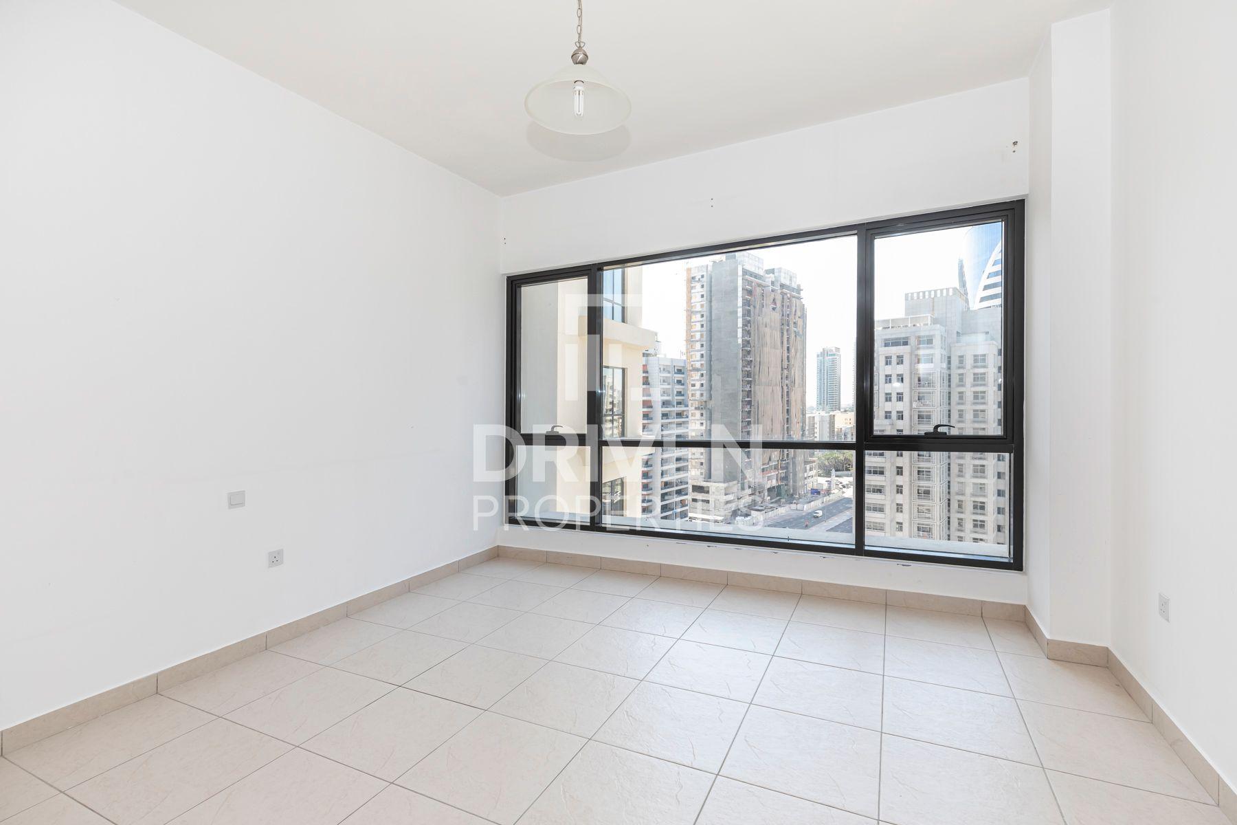 1,331 قدم مربع  شقة - للايجار - برشا هايتس (تيكوم)