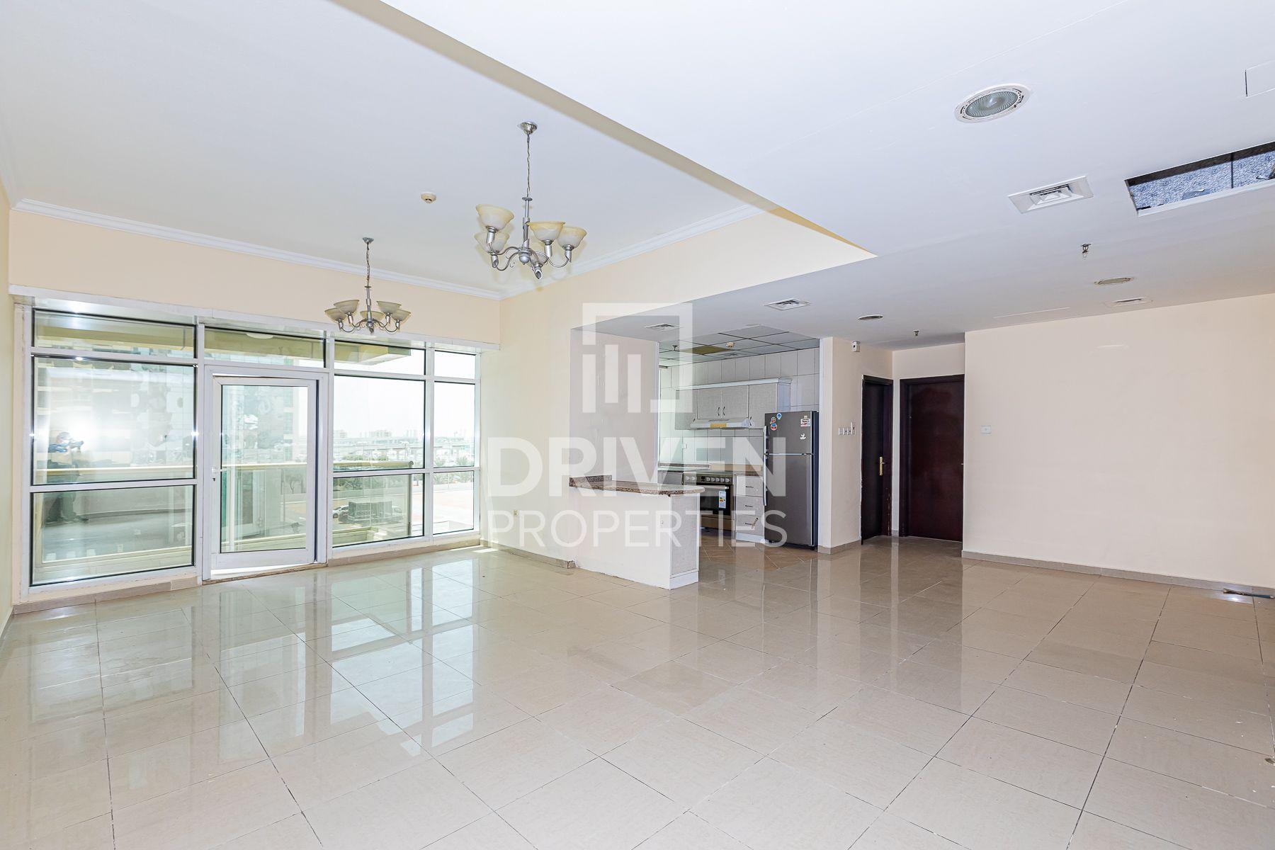 Stylish Apartment w/ Sea View | High ROI
