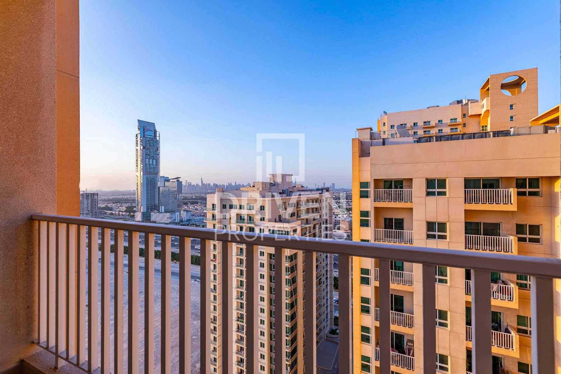 للايجار - شقة - سنتوريوم 4 - مدينة دبي للإنتاج (اي ام بي زد)