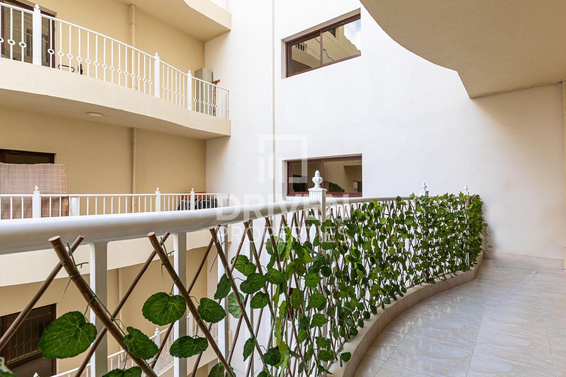 للبيع - شقة - بناية لولينا - قرية الجميرا سركل