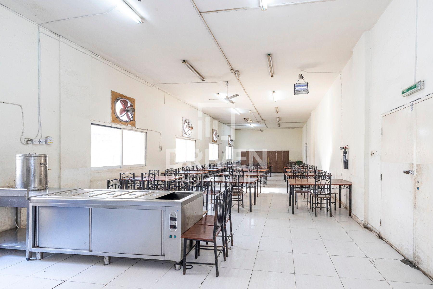 213,090 قدم مربع  مخيم عمال - للايجار - القوز